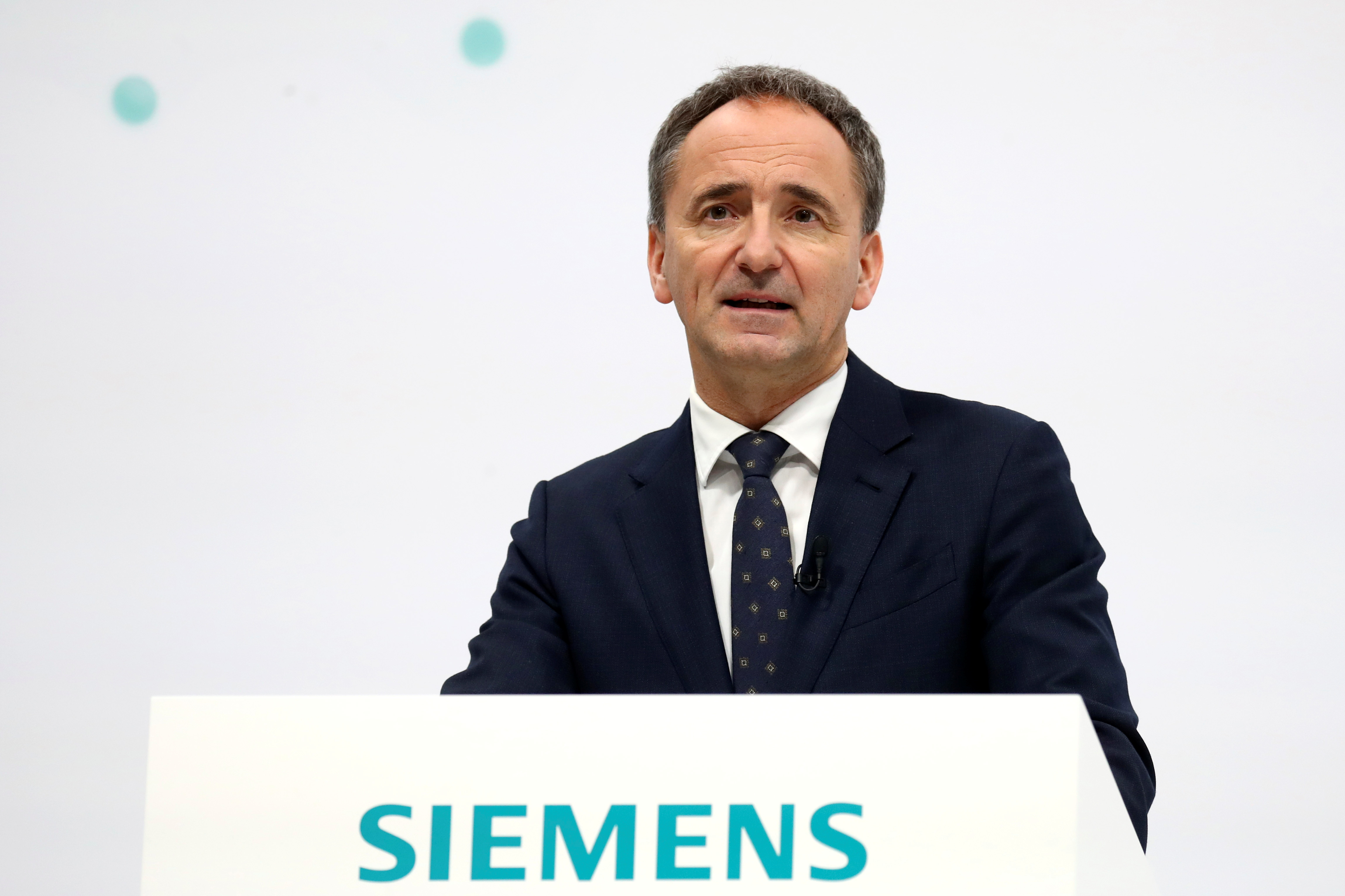 Jim Hagemann Snabe, chairman of the supervisory board of industrial conglomerate Siemens, delivers his speech during the virtual annual shareholders meeting in Munich, Germany, February 3, 2021. Matthias Schrader/Pool via REUTERS