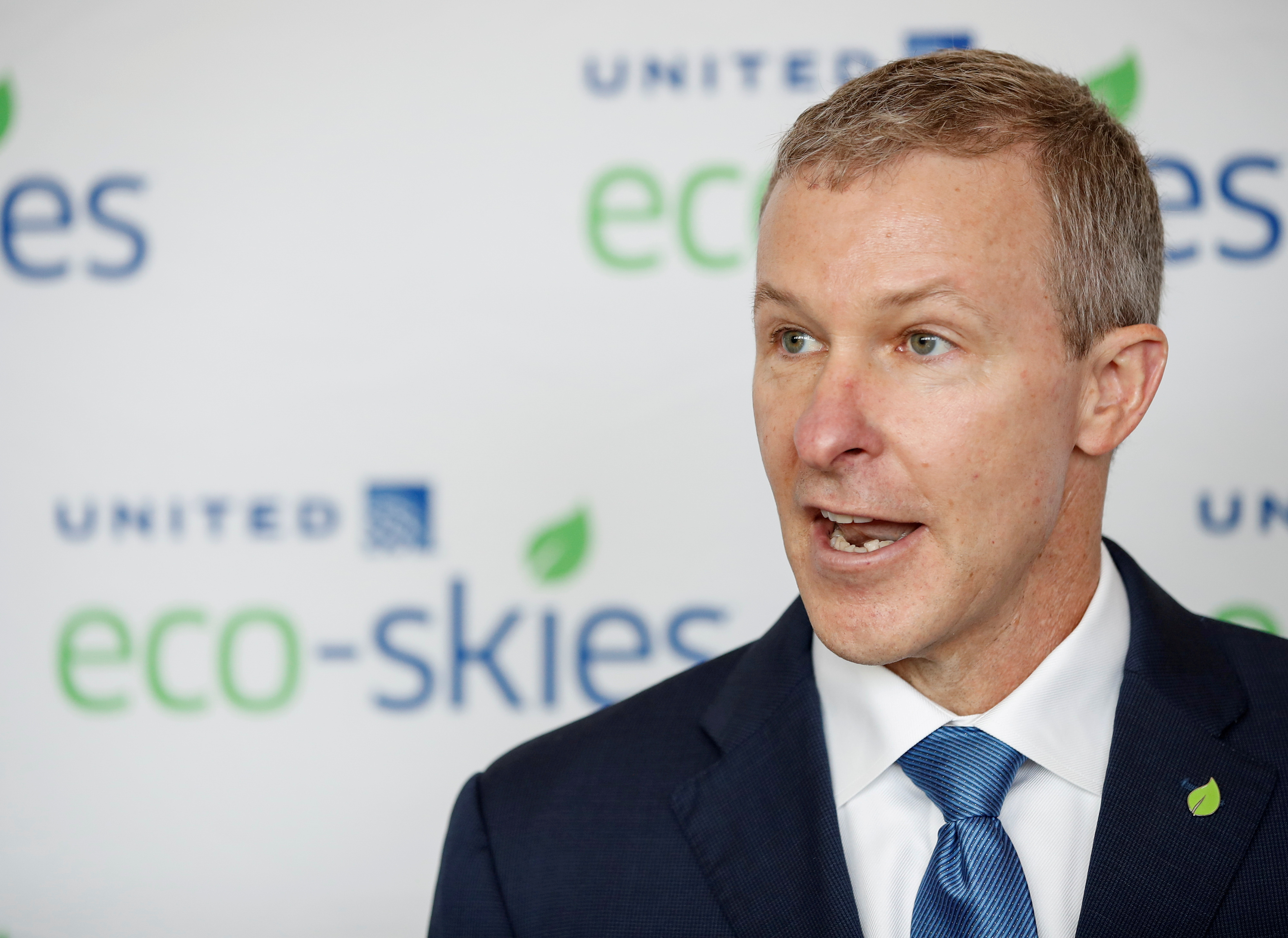 """United Airlines CEO Scott Kirby speaks before the departure of the """"Flight for the Planet"""", the most eco-friendly commercial flight in history of aviation, according to the airline, from O'Hare International Airport to Los Angeles, in Chicago, Illinois, U.S., June 5, 2019. REUTERS/Kamil Krzaczynski/File Photo"""