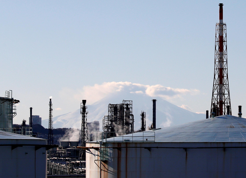 A factory area is seen in front of Mount Fuji in Yokohama, Japan, January 16, 2017. REUTERS/Kim Kyung-Hoon