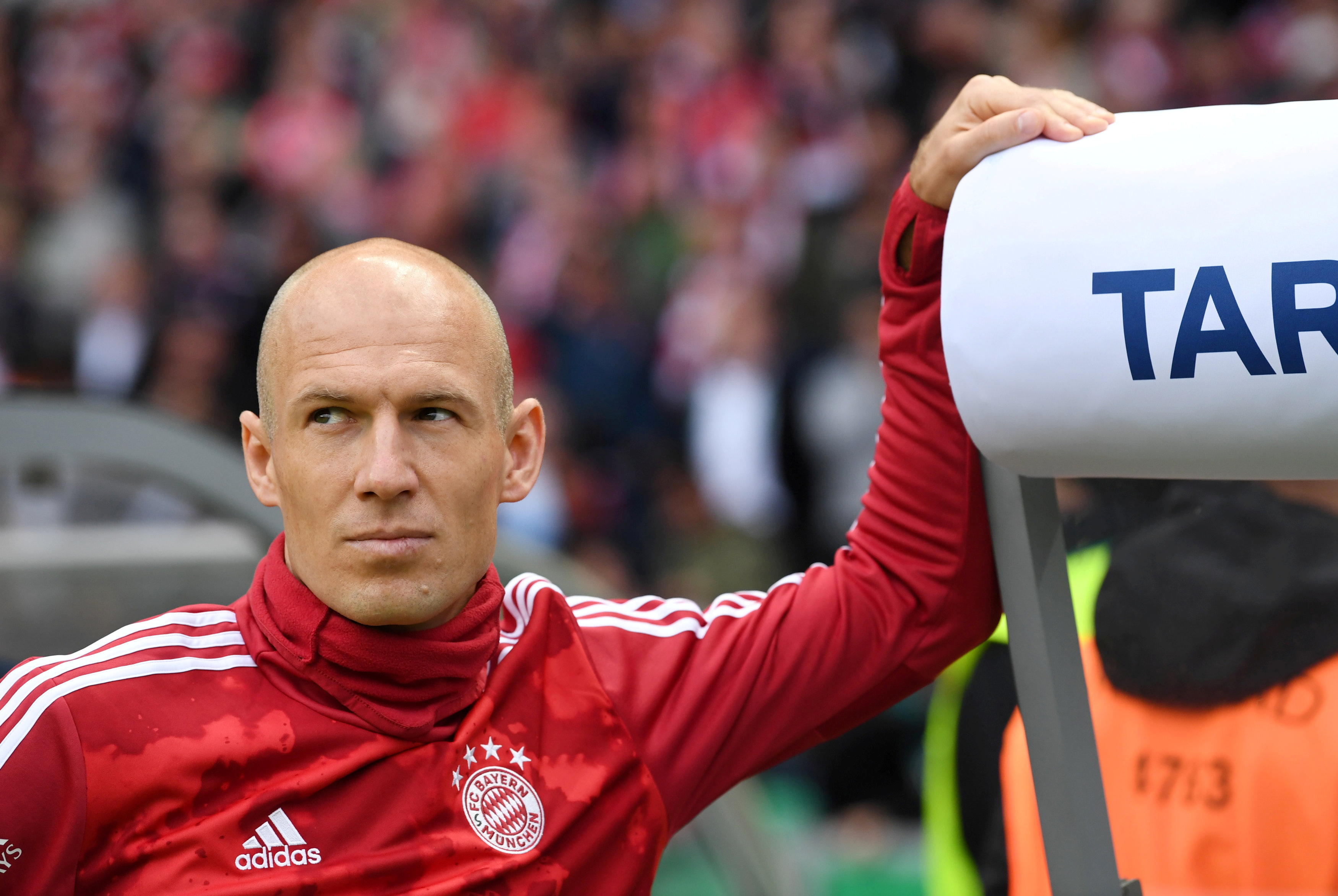 Robben quits as injuries derail comeback at Groningen | Reuters