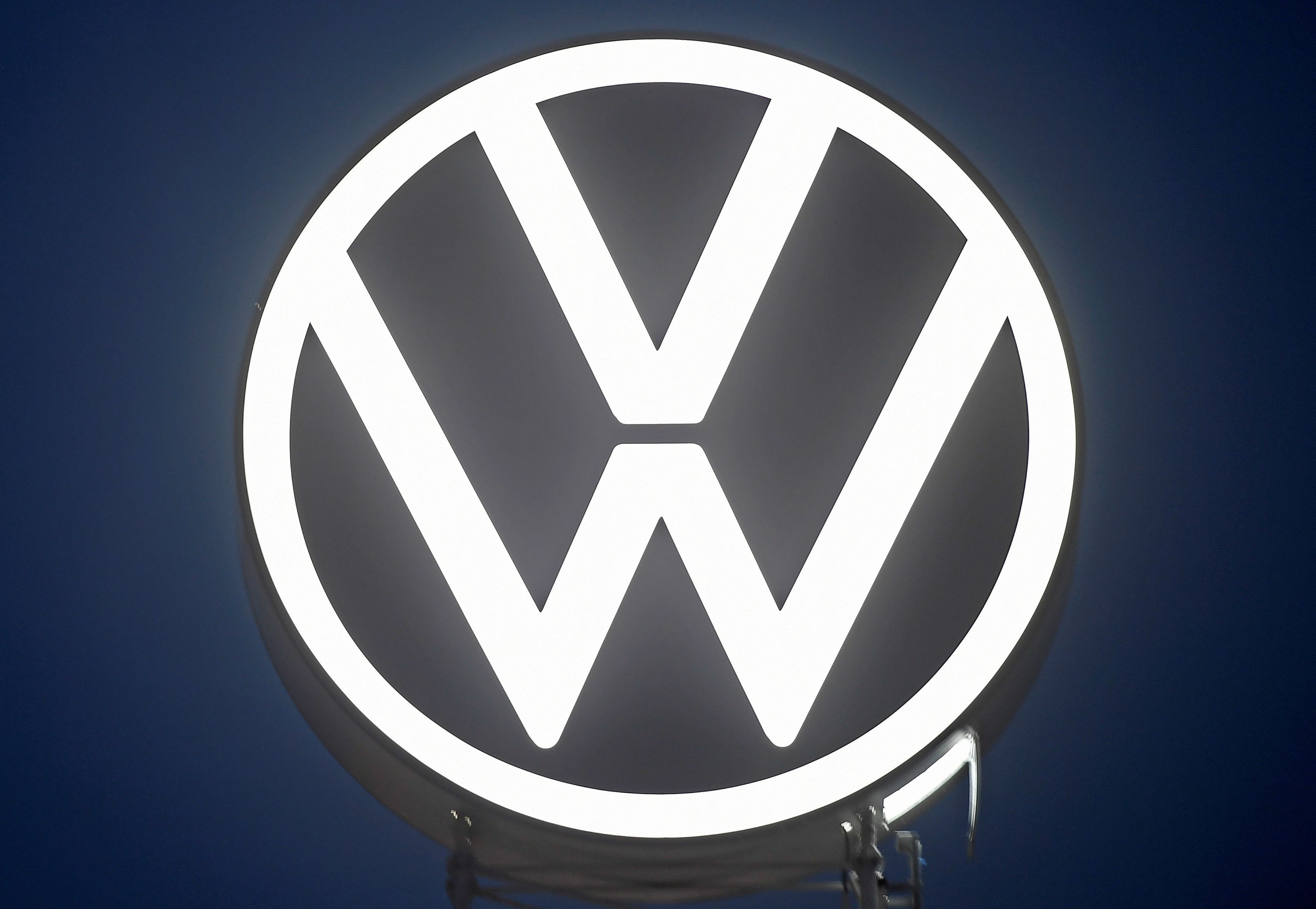 A new logo of German carmaker Volkswagen is unveiled at the VW headquarters in Wolfsburg, Germany September 9, 2019. REUTERS/Fabian Bimmer