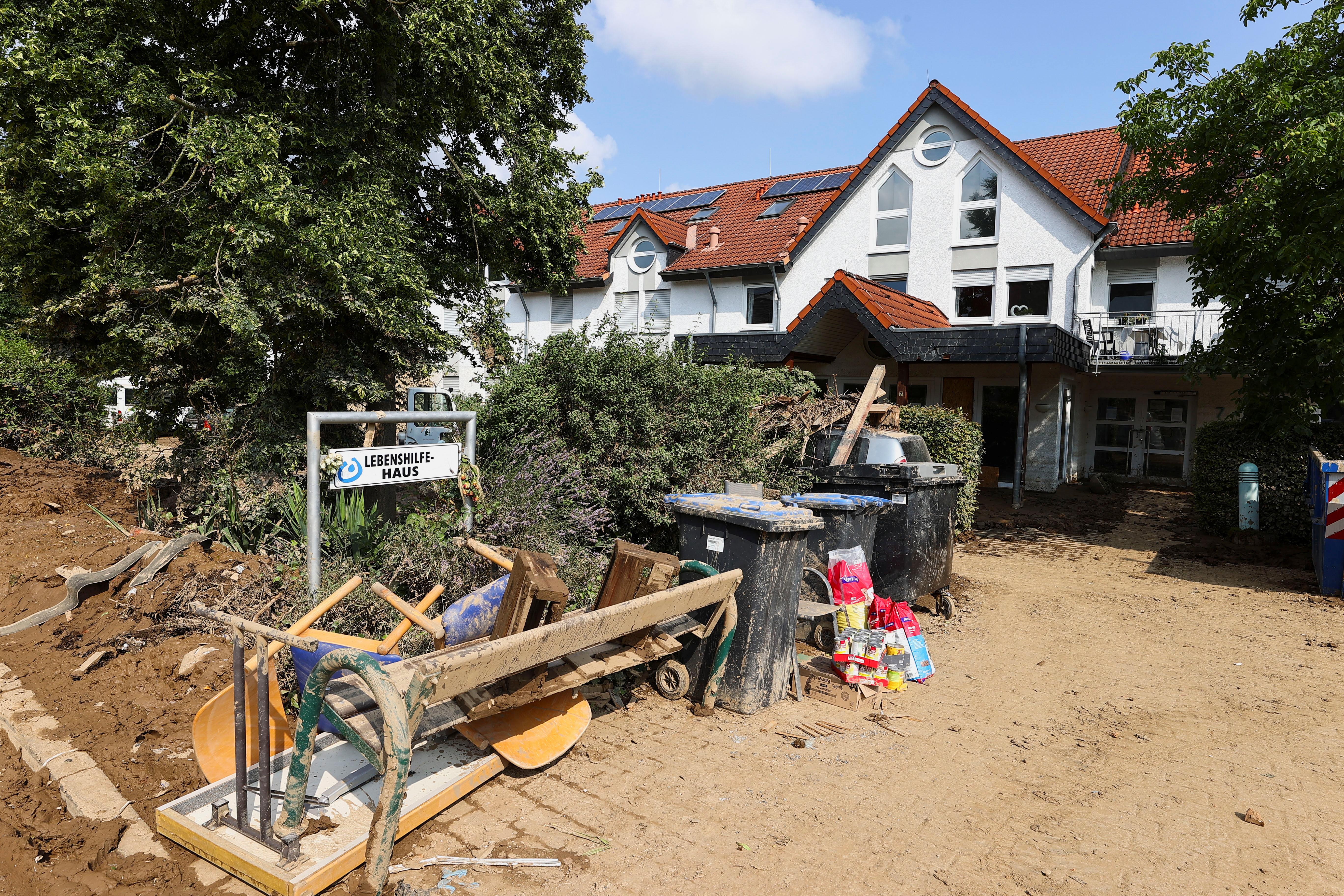 Et generelt syn på Lebenshilfe Haus, et omsorgsbolig i et område rammet av flom forårsaket av kraftige nedbørsmengder, i Sinzig, Tyskland, 20. juli 2021. REUTERS / Wolfgang Rattay
