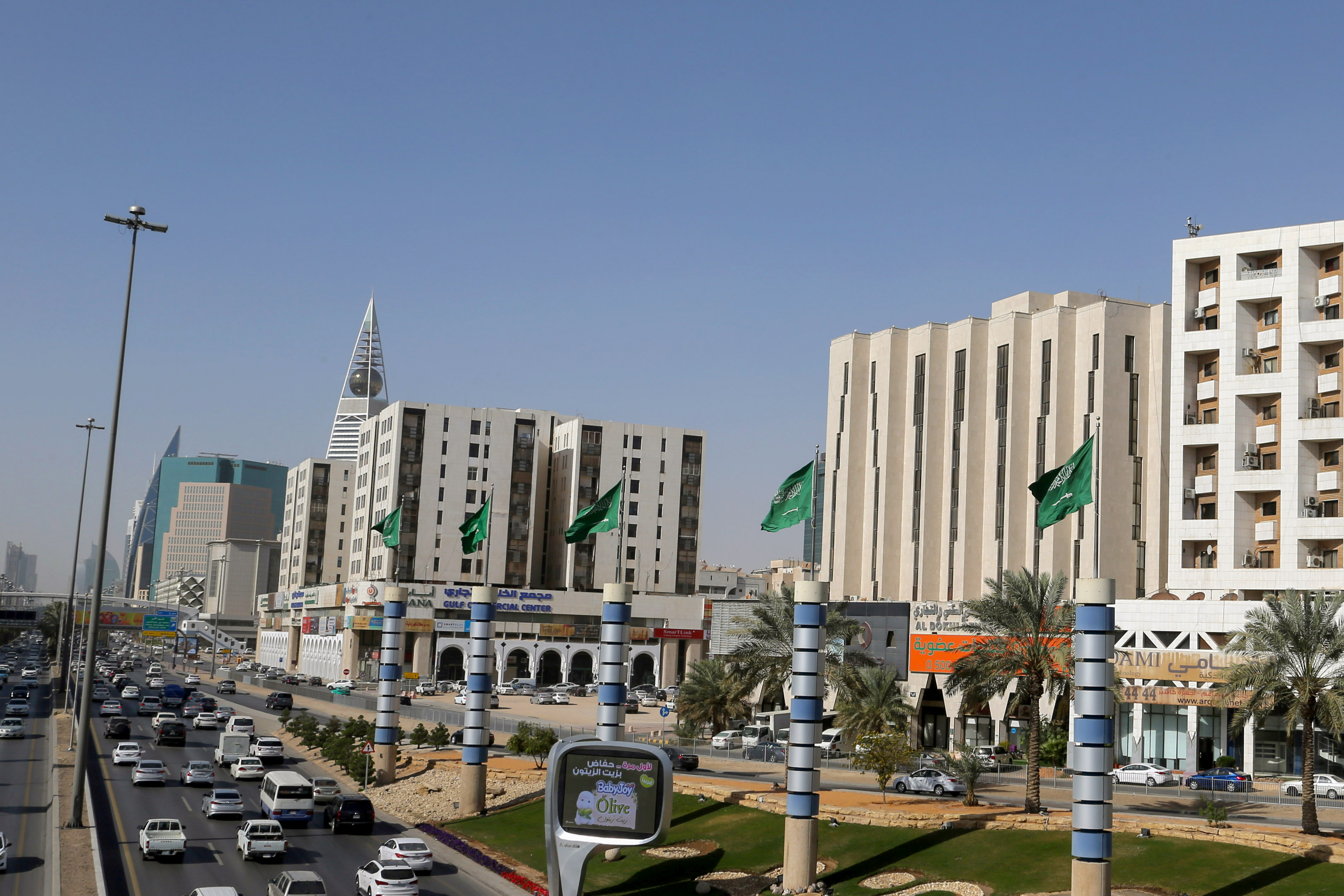A view shows vehicles driving on a street in Riyadh, Saudi Arabia February 16, 2021. REUTERS/Ahmed Yosri/File Photo