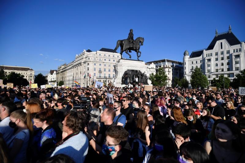 Demonstrators protest against Hungarian Prime Minister Viktor Orban and the latest anti-LGBTQ law in Budapest, Hungary, June 14, 2021. REUTERS/Marton Monus