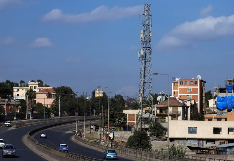 Motorists drive past an Ethio-Telecom network tower in Addis Ababa, Ethiopia, November 12, 2019. REUTERS/Tiksa Negeri/File Photo