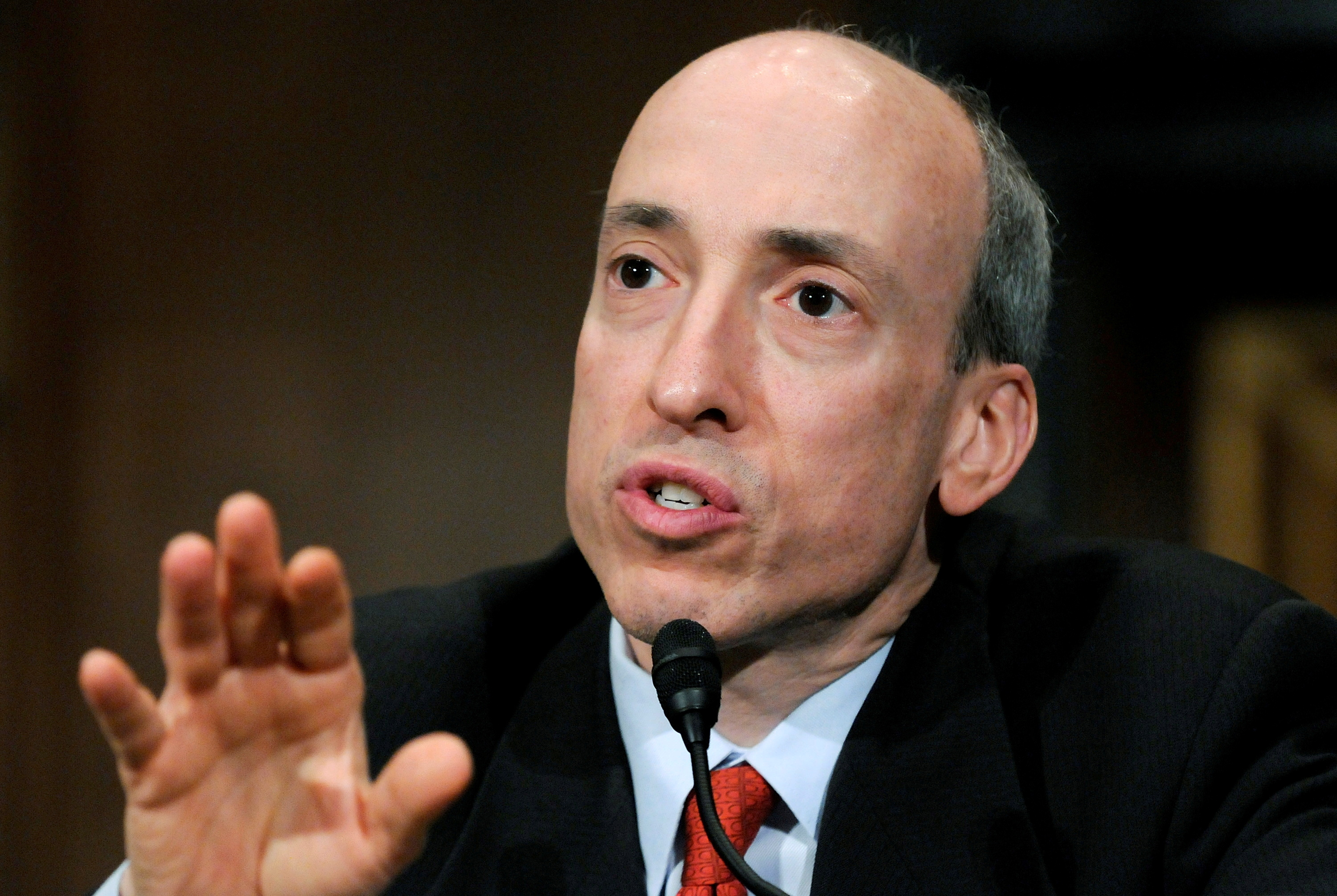 Commodity Futures Trading Commission Chairman Gary Gensler testifies at a U.S. Senate Banking Committee hearing on systemic risk and market oversight on Capitol Hill in Washington May 22, 2012.  REUTERS/Jonathan Ernst/File Photo