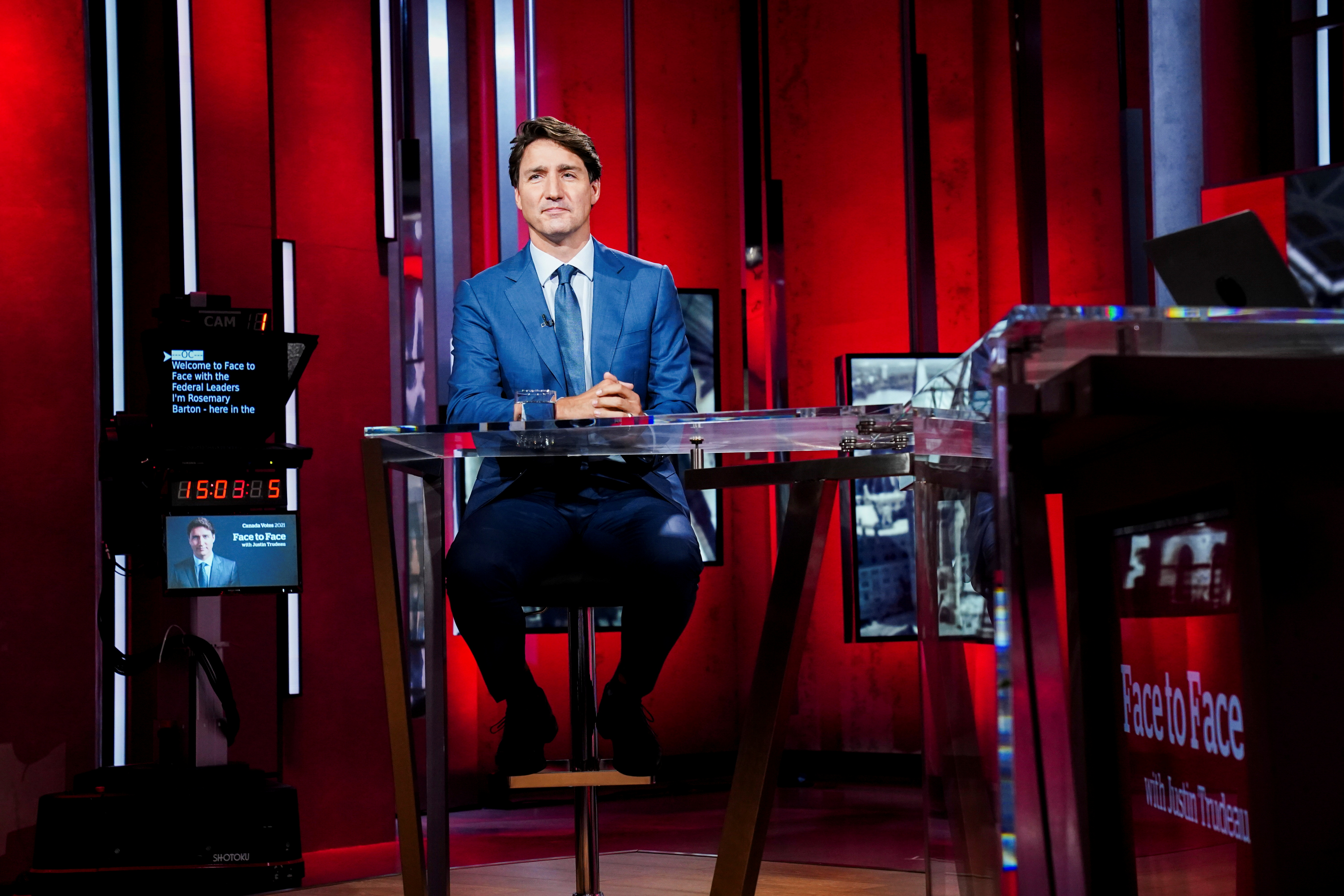 Liberal Leader Justin Trudeau prepares to take part on CBC's Face To Face with host Rosemary Barton in Toronto, Canada, September 12, 2021. Sean Kilpatrick/Pool via REUTERS
