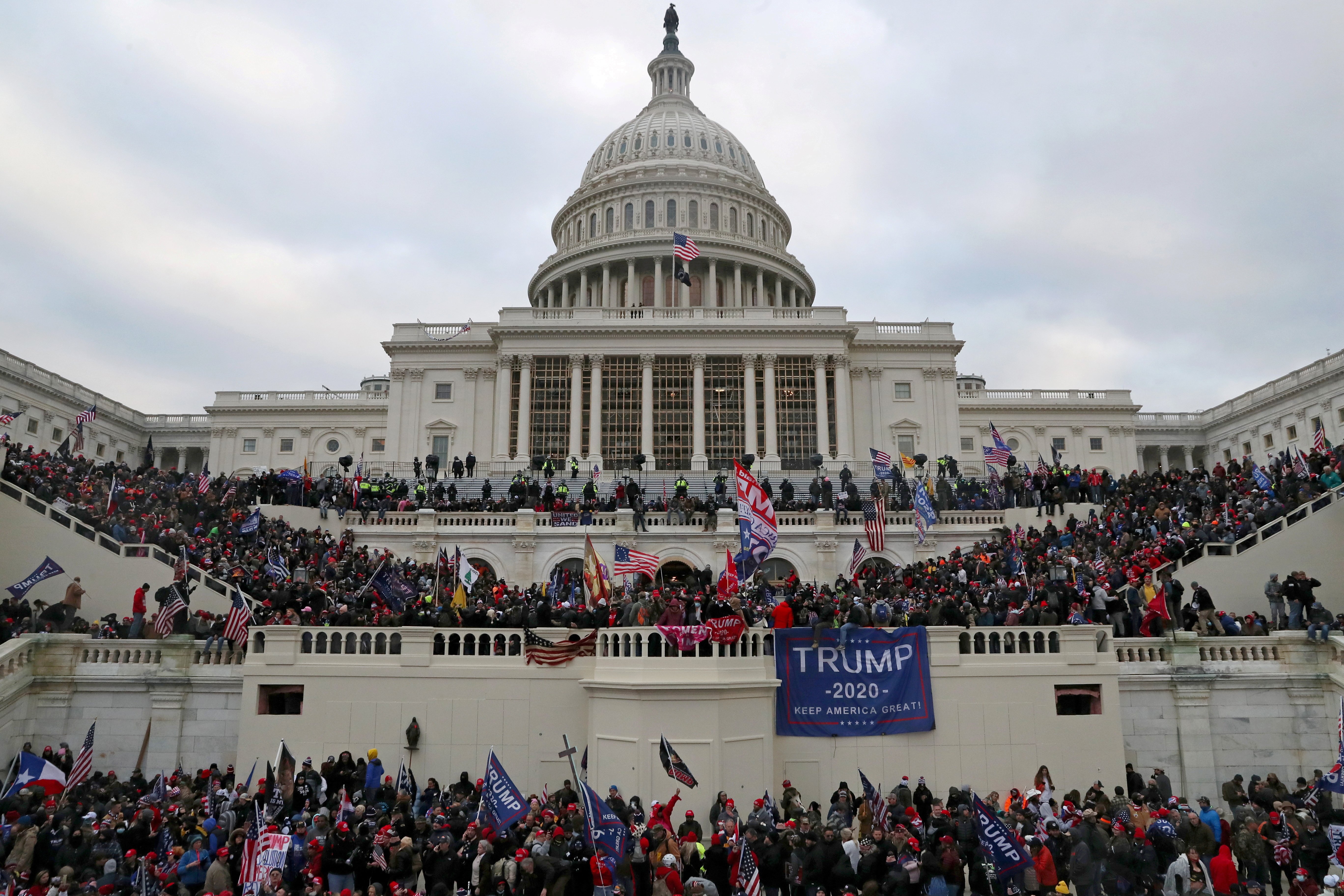 A mob of supporters of U.S. President Donald Trump storm the U.S. Capitol Building in Washington, U.S., January 6, 2021. REUTERS/Leah Millis