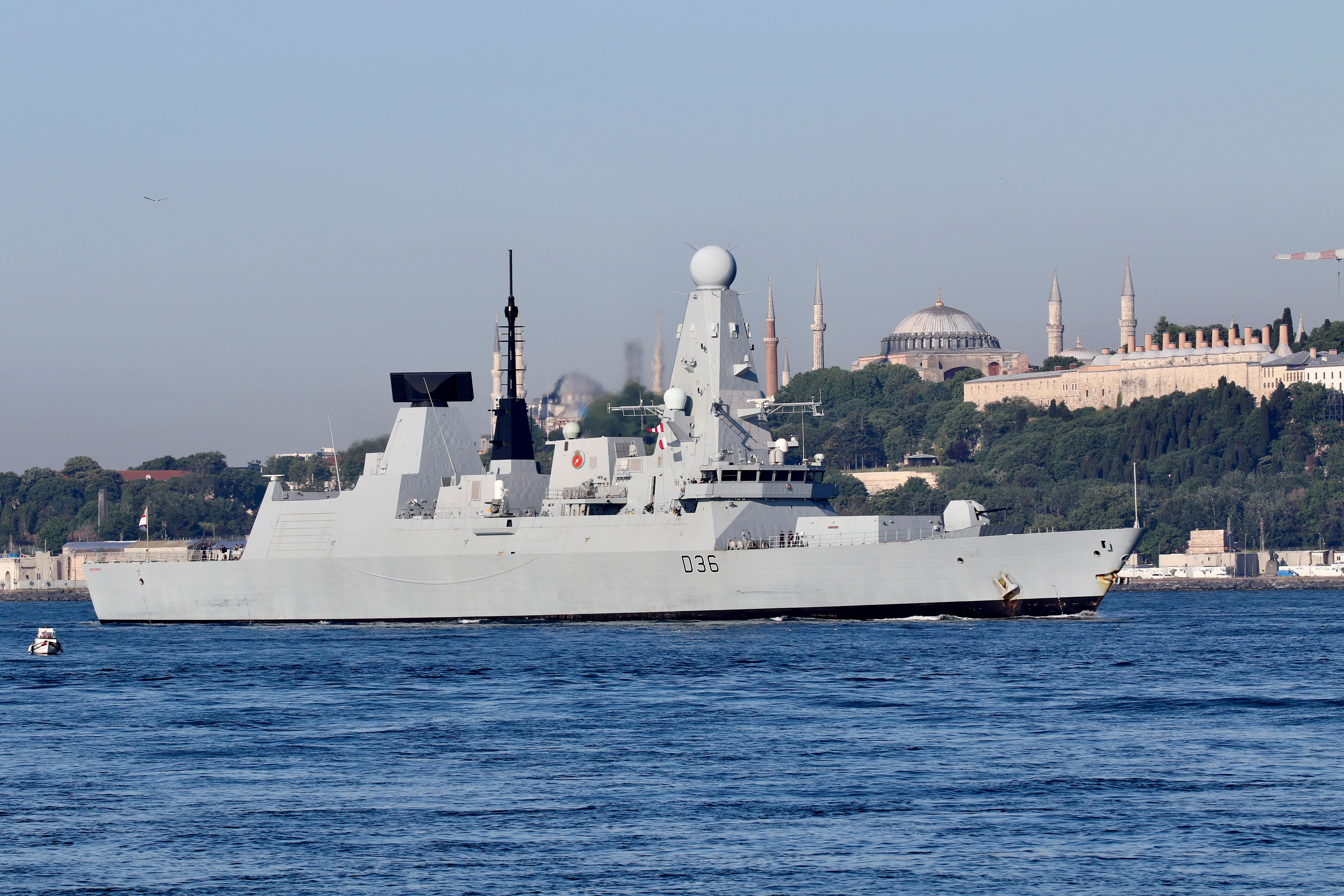 British Royal Navy's Type 45 destroyer HMS Defender arrives for a port visit in Istanbul, Turkey June 9, 2021. REUTERS/Yoruk Isik/File Photo