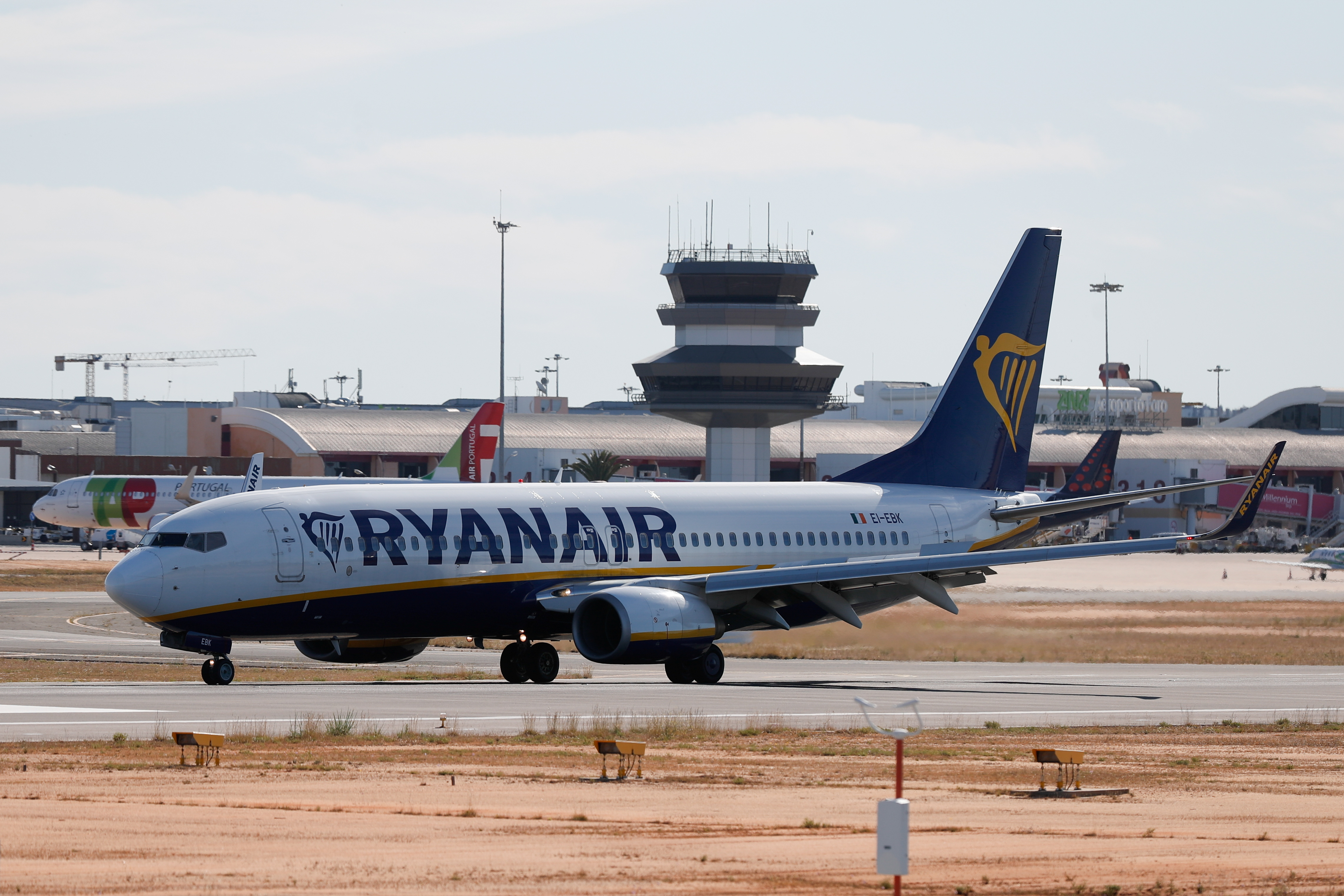 A Ryanair flight from Manchester arrives at Faro Airport on the first day that Britons are allowed to enter Portugal without needing to quarantine, as coronavirus disease (COVID-19) restrictions continue to ease, in Faro, Portugal, May 17, 2021. REUTERS/Pedro Nunes