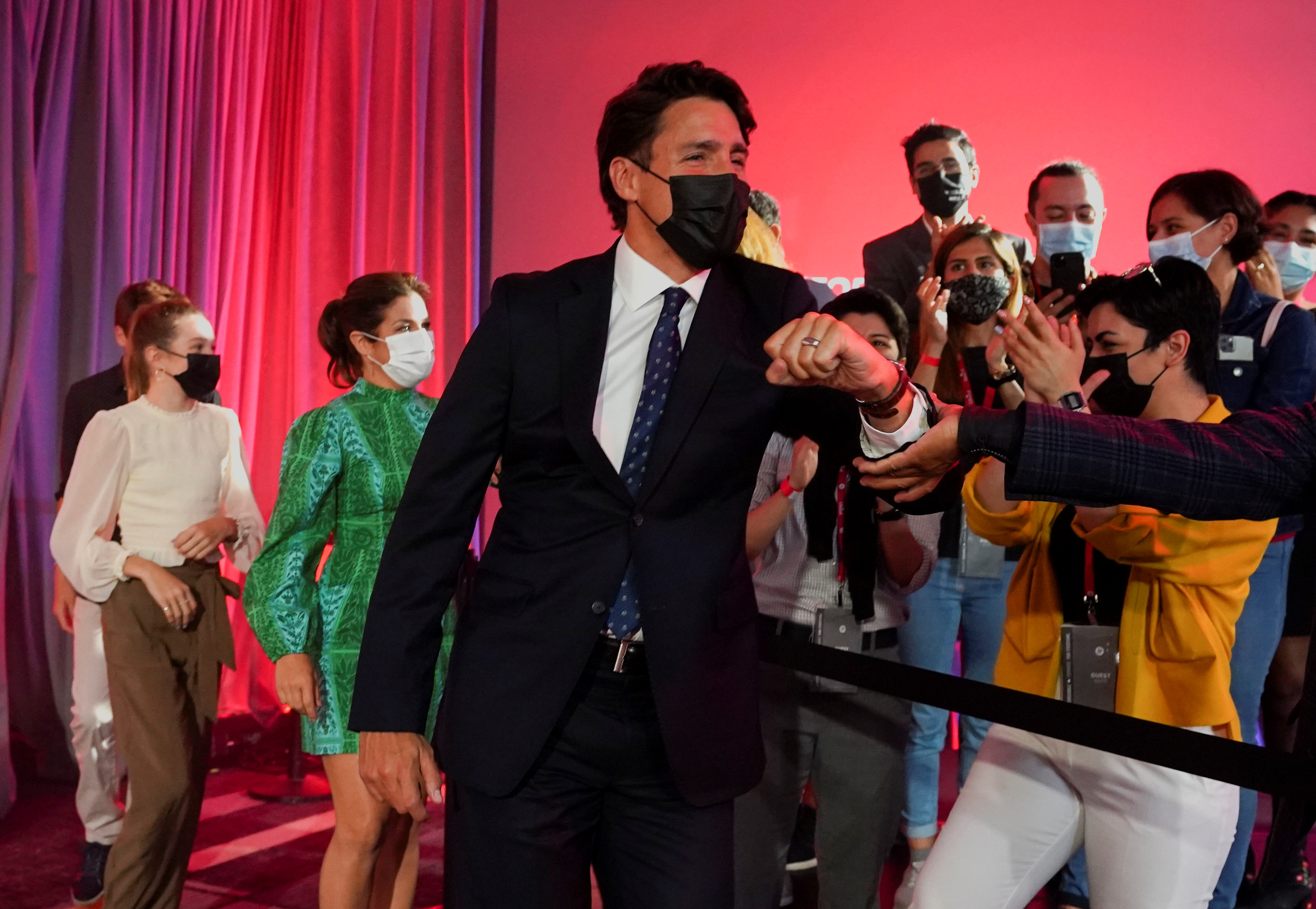 Canada's Liberal Prime Minister Justin Trudeau greets supporters during the Liberal election night party in Montreal, Quebec, Canada, September 21, 2021. REUTERS/Carlos Osorio