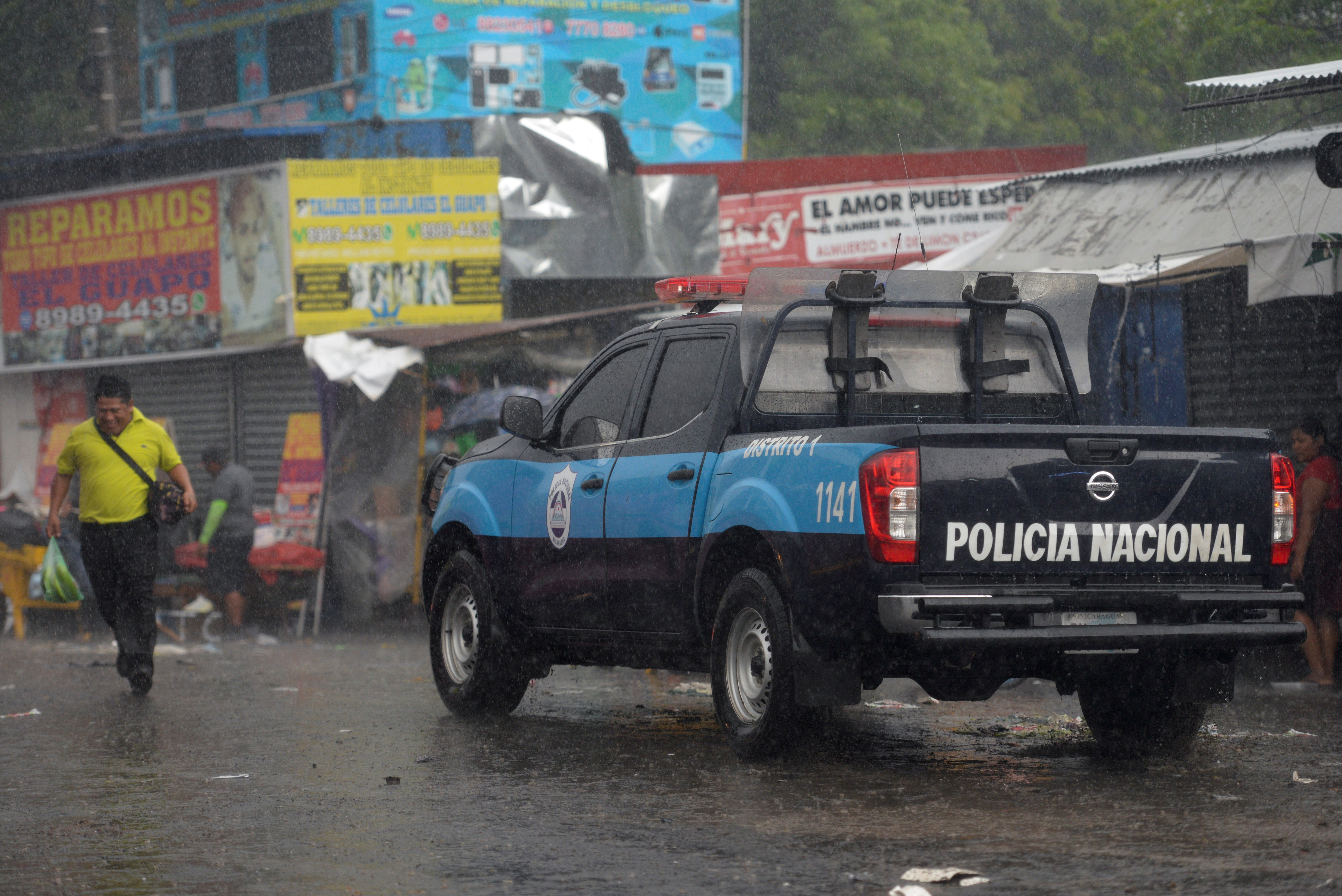 Nicaraguan National Police patrols outside a market in Managua, Nicaragua June 21, 2021.  REUTERS/Stringer