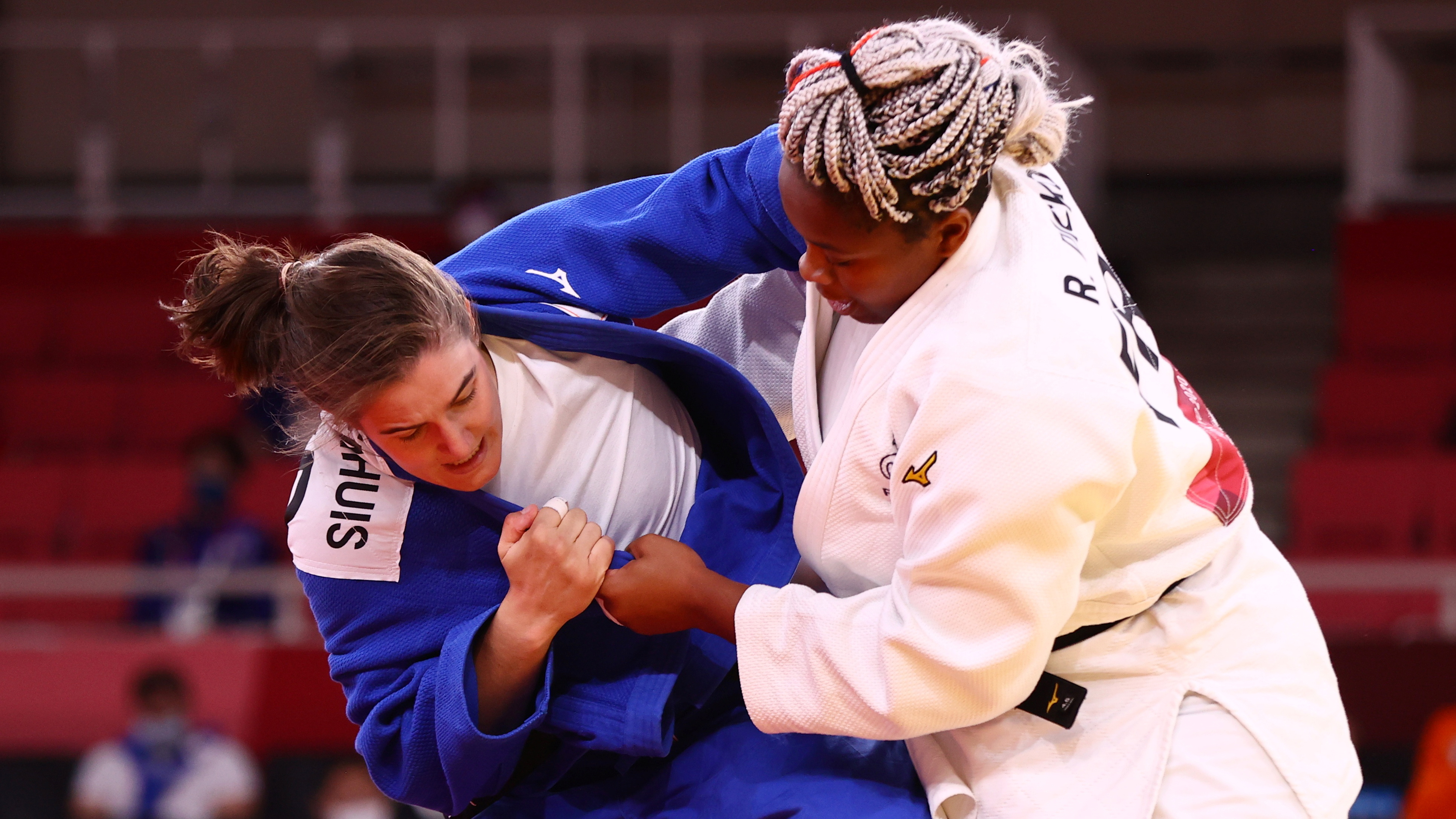 Tokyo 2020 Olympics - Judo - Mixed Team - Semifinal - Nippon Budokan - Tokyo, Japan - July 31, 2021. Romane Dicko of France in action against Guusje Steenhuis of the Netherlands REUTERS/Sergio Perez