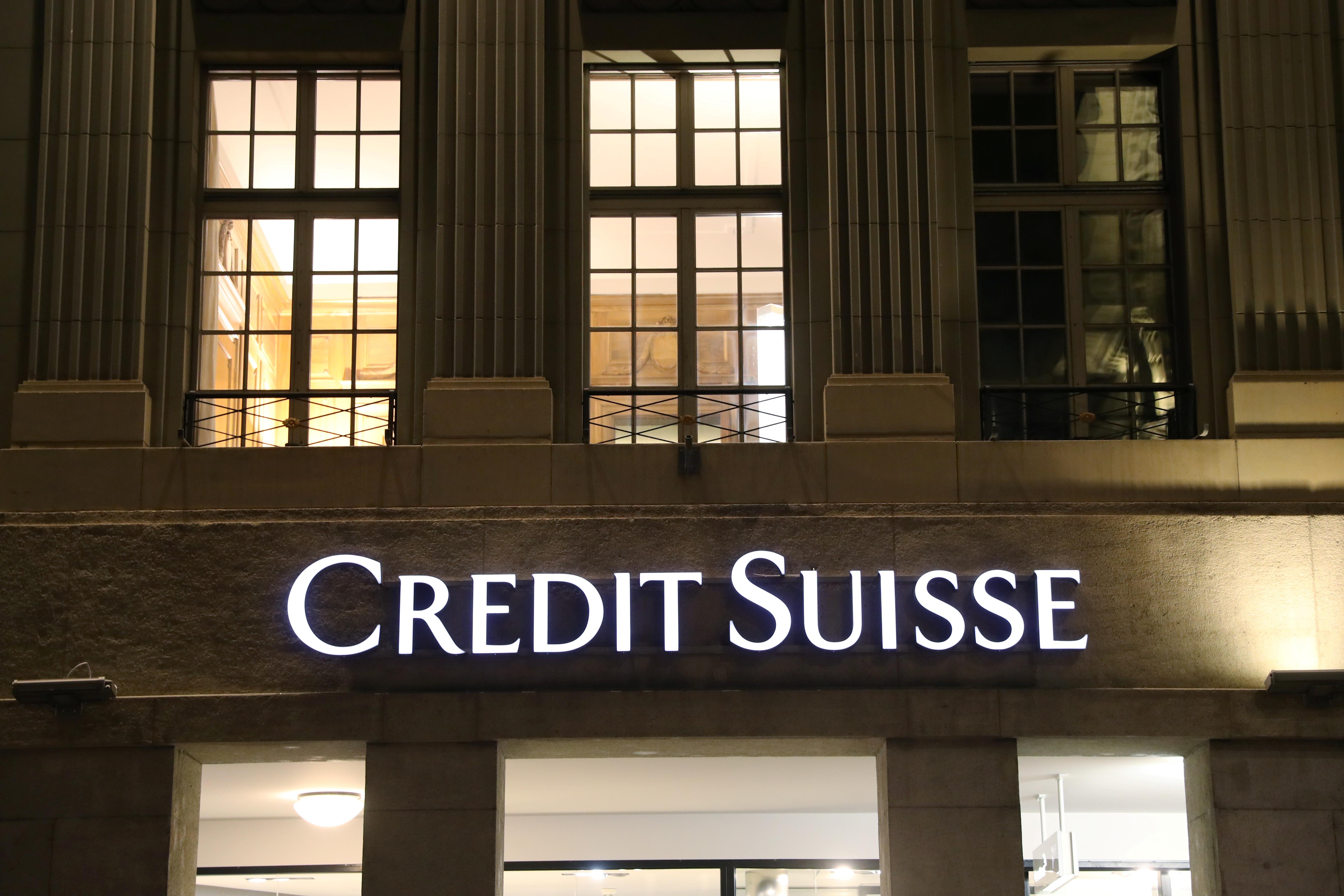 The logo of Swiss bank Credit Suisse is seen at a branch office in Bern, Switzerland October 28, 2020. Picture taken October 28, 2020.  REUTERS/Arnd Wiegmann - RC26SJ9PFMJV
