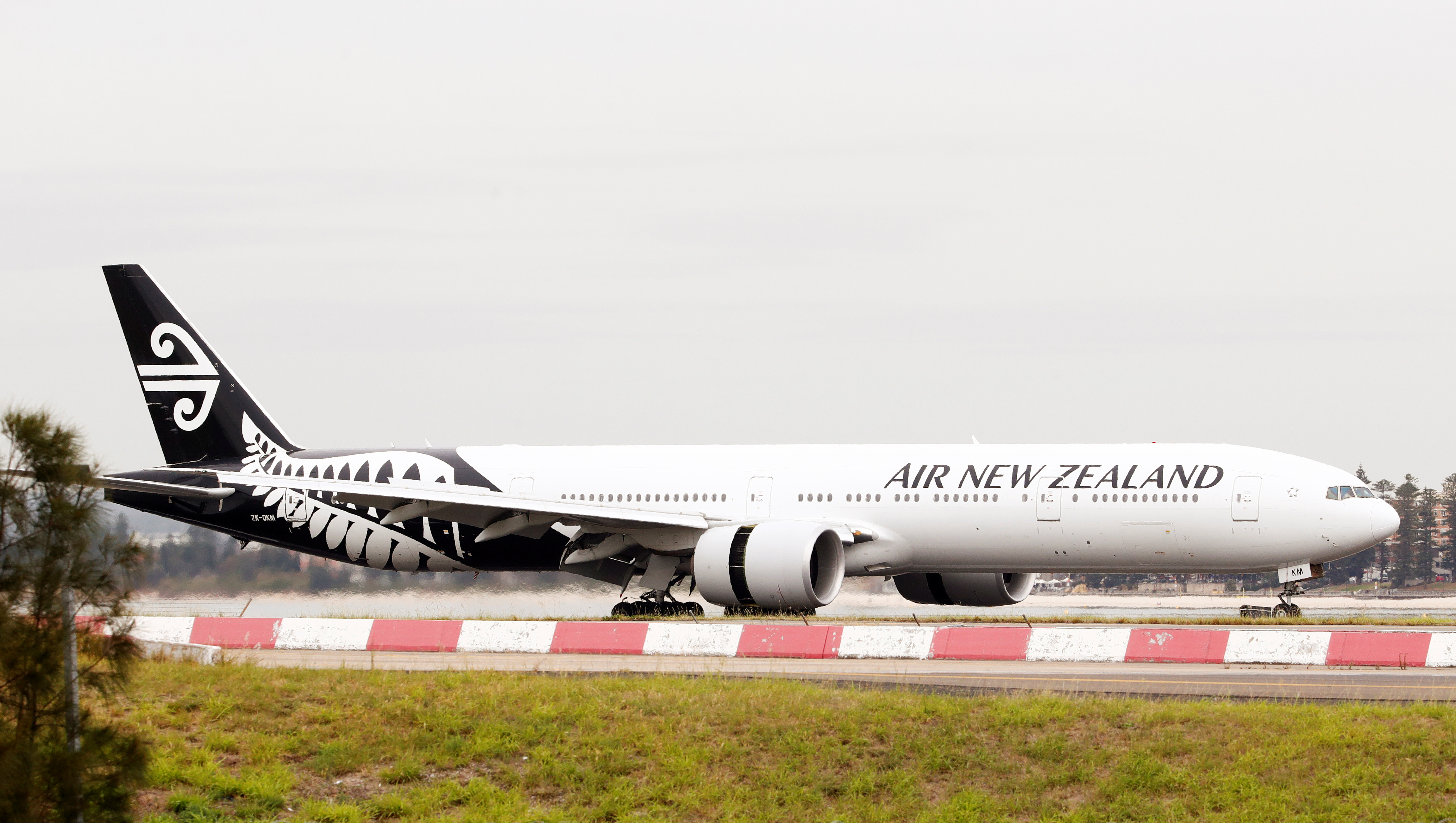 An Air New Zealand Boeing 777-300ER plane taxis after landing at Kingsford Smith International Airport in Sydney, Australia, February 22, 2018. REUTERS/Daniel Munoz