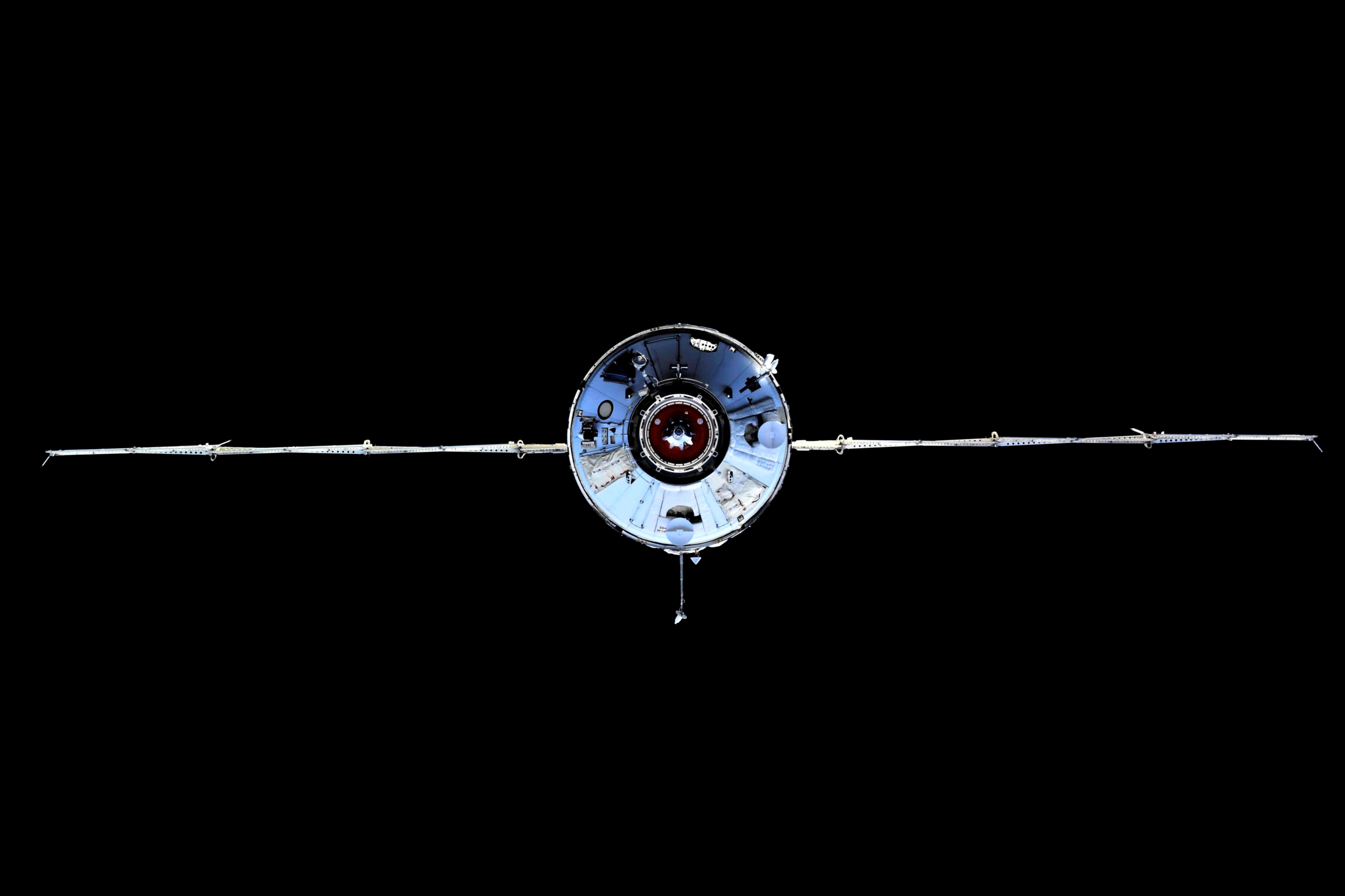"""Шматмэтавы лабараторны модуль """"Навука"""" (Навука) можна ўбачыць падчас стыкоўкі з Міжнароднай касмічнай станцыяй (МКС) 29 ліпеня 2021 г. Алег Навіцкі / Раскосмас / Раздача праз REUTERS"""