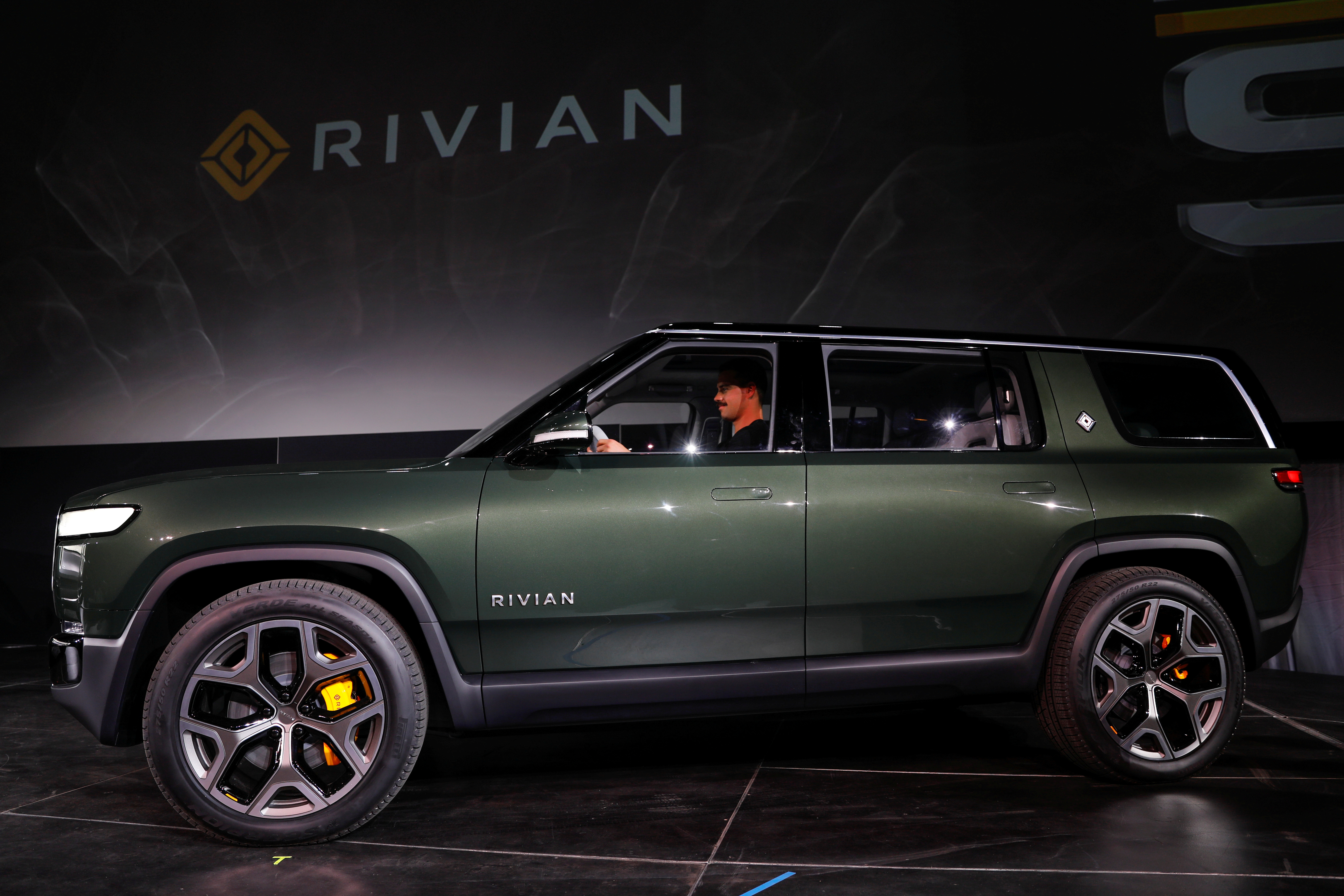 Rivian introduces all-electric R1S SUV at Los Angeles Auto Show in Los Angeles, California, U.S. November 27, 2018.  REUTERS/Mike Blake