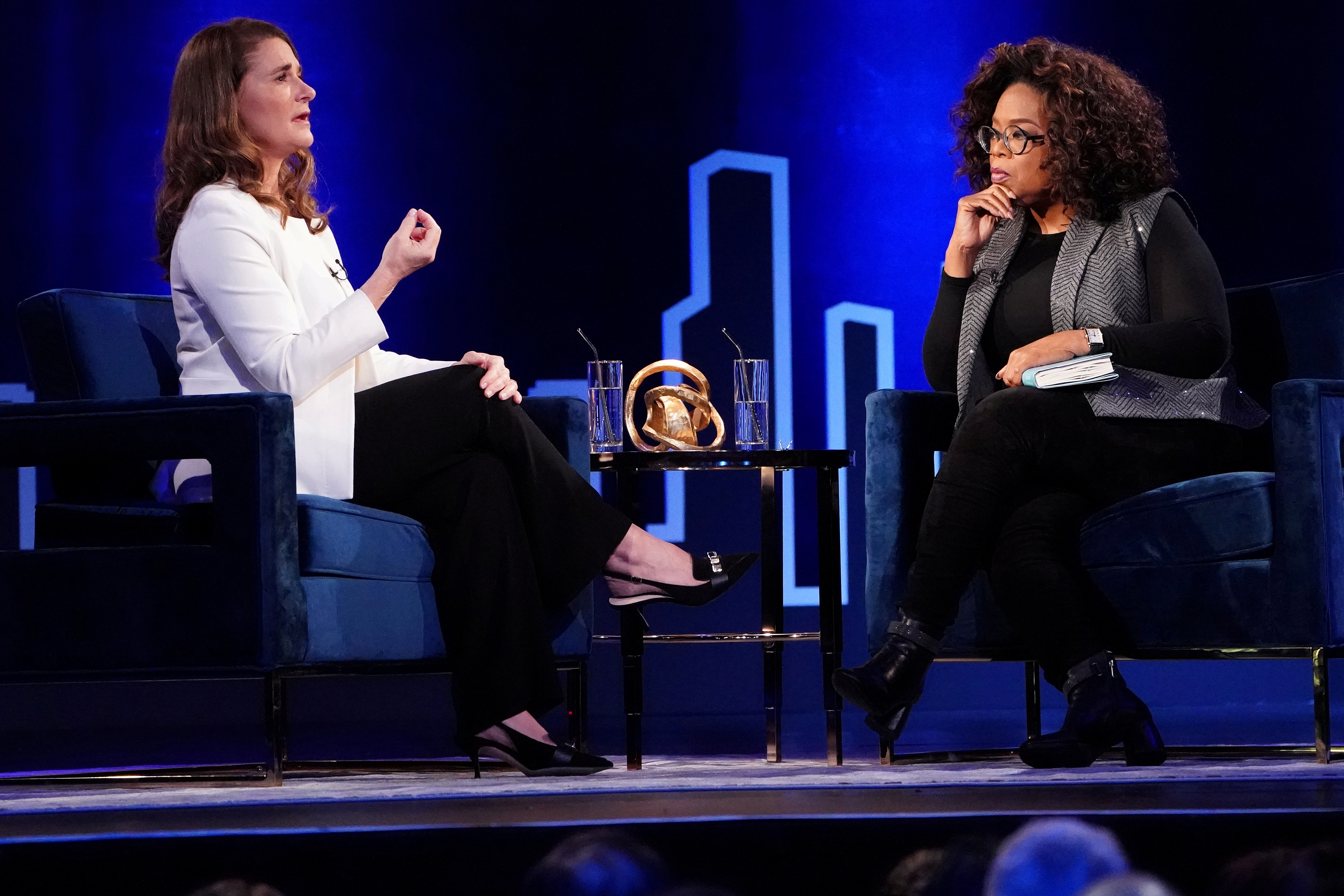 Melinda Gates (L) speaks to Oprah Winfrey on stage during a taping of her TV show in the Manhattan borough of New York City, New York, U.S., February 5, 2019. REUTERS/Carlo Allegri
