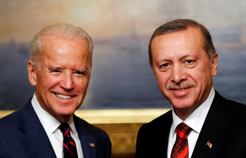 U.S. Vice President Joe Biden (L) meets with Turkey's President Tayyip Erdogan at Beylerbeyi Palace in Istanbul November 22, 2014. REUTERS/Murad Sezer