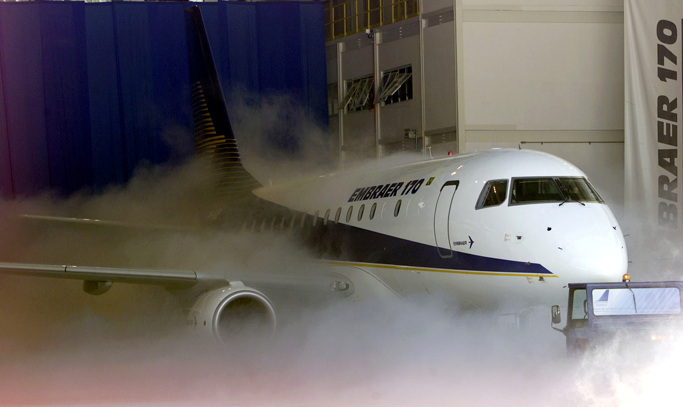 File photo showing the unveiling of Brazilian aircraft manufacturer Embraer of its regional jet EMB-170, able to carry seventy passengers, in Sao Jose dos Campos on October 29, 2001. REUTERS/Paulo Whitaker/File Photo