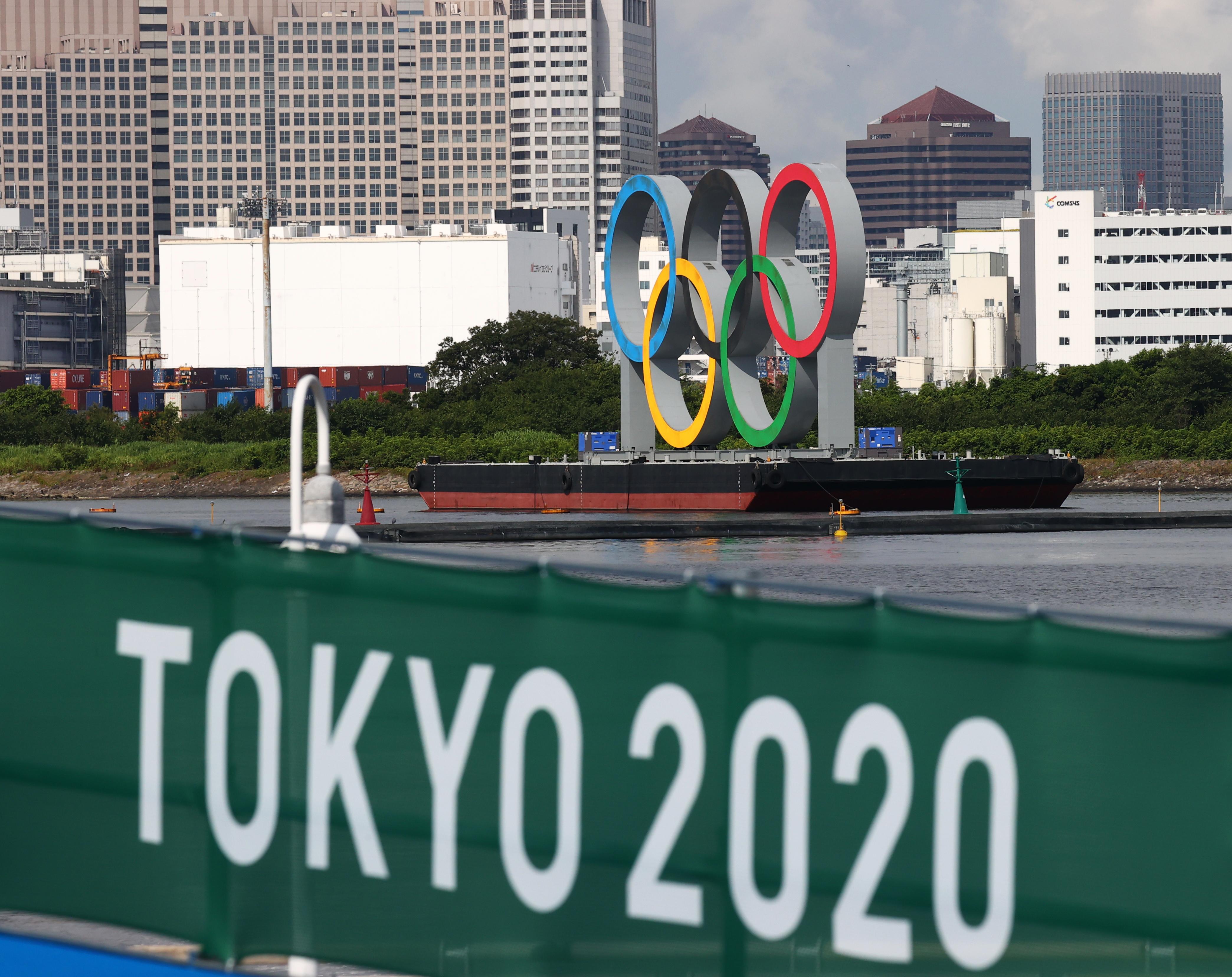 Tokyo 2020 Olympics - Triathlon - Mixed Team Relay - Final - Odaiba Marine Park, Tokyo, Japan - July 31, 2021. General view of olympic rings at Odaiba Marine Park REUTERS/Kacper Pempel