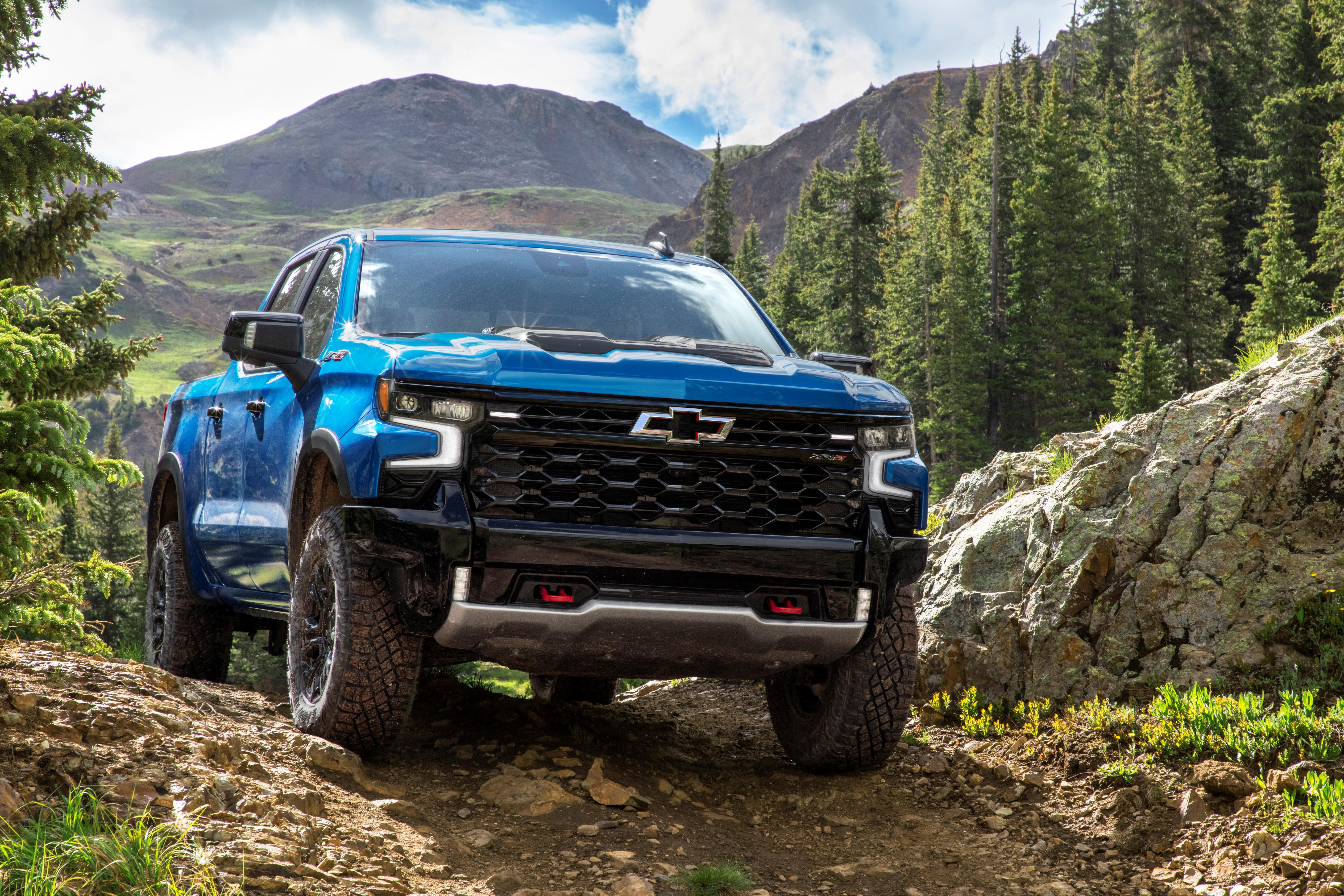 La Chevrolet Silverado ZR2 2022 se ve en una fotografía sin fecha proporcionada por General Motors el 9 de septiembre de 2021. GM / Handout via REUTERS