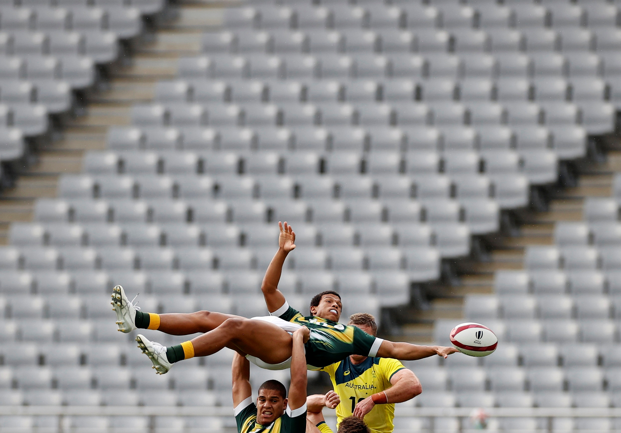 Tokyo 2020 Olympics - Rugby Sevens - Men - Classification Round 5-8 - South Africa v Australia - Tokyo Stadium - Tokyo, Japan - July 28, 2021. Kurt-Lee Arendse of South Africa in action. REUTERS/Phil Noble     TPX IMAGES OF THE DAY