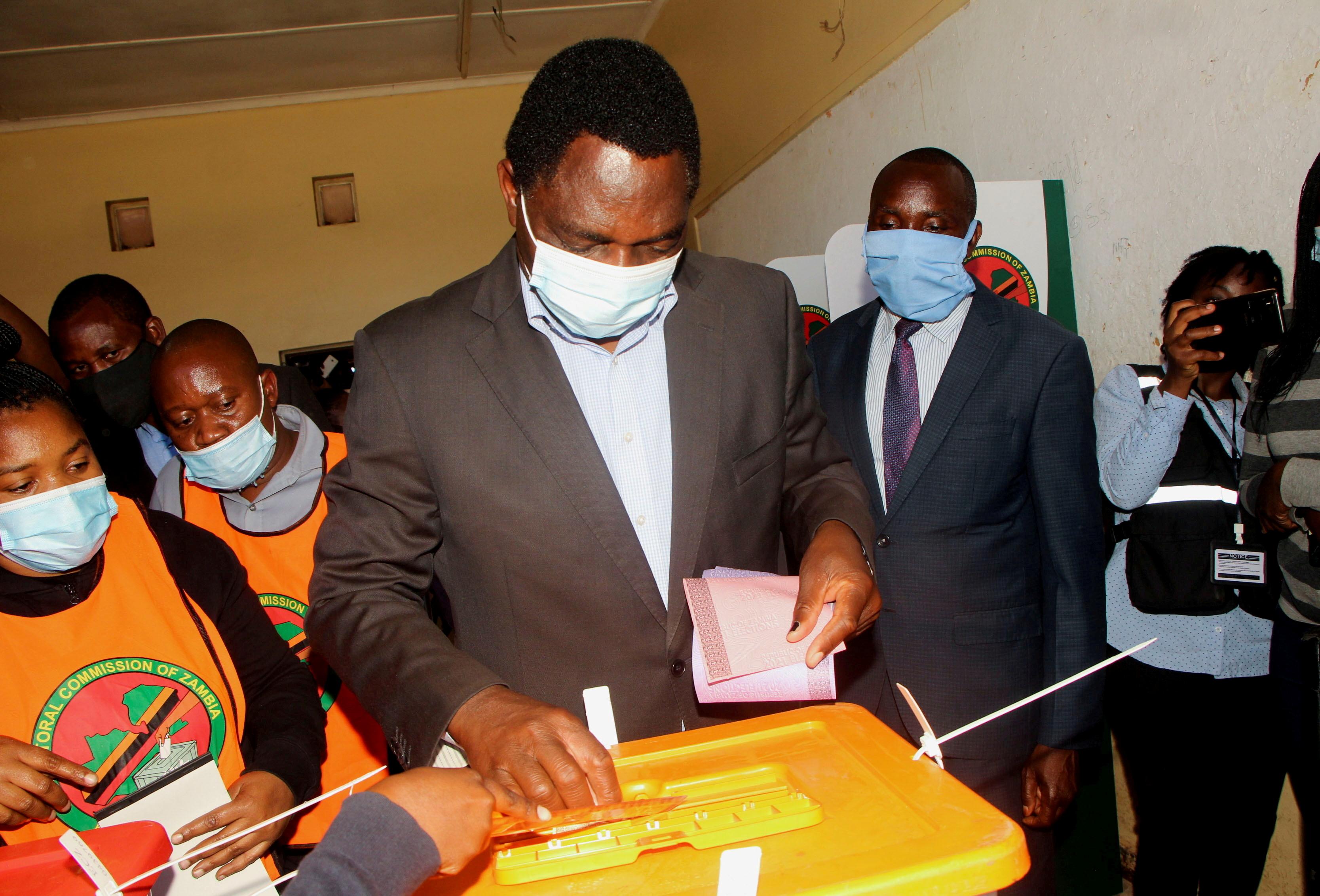 President  Hakainde Hichilema casts his ballot in Lusaka, Zambia, August 12, 2021. REUTERS/Jean Ndaisenga/File Photo