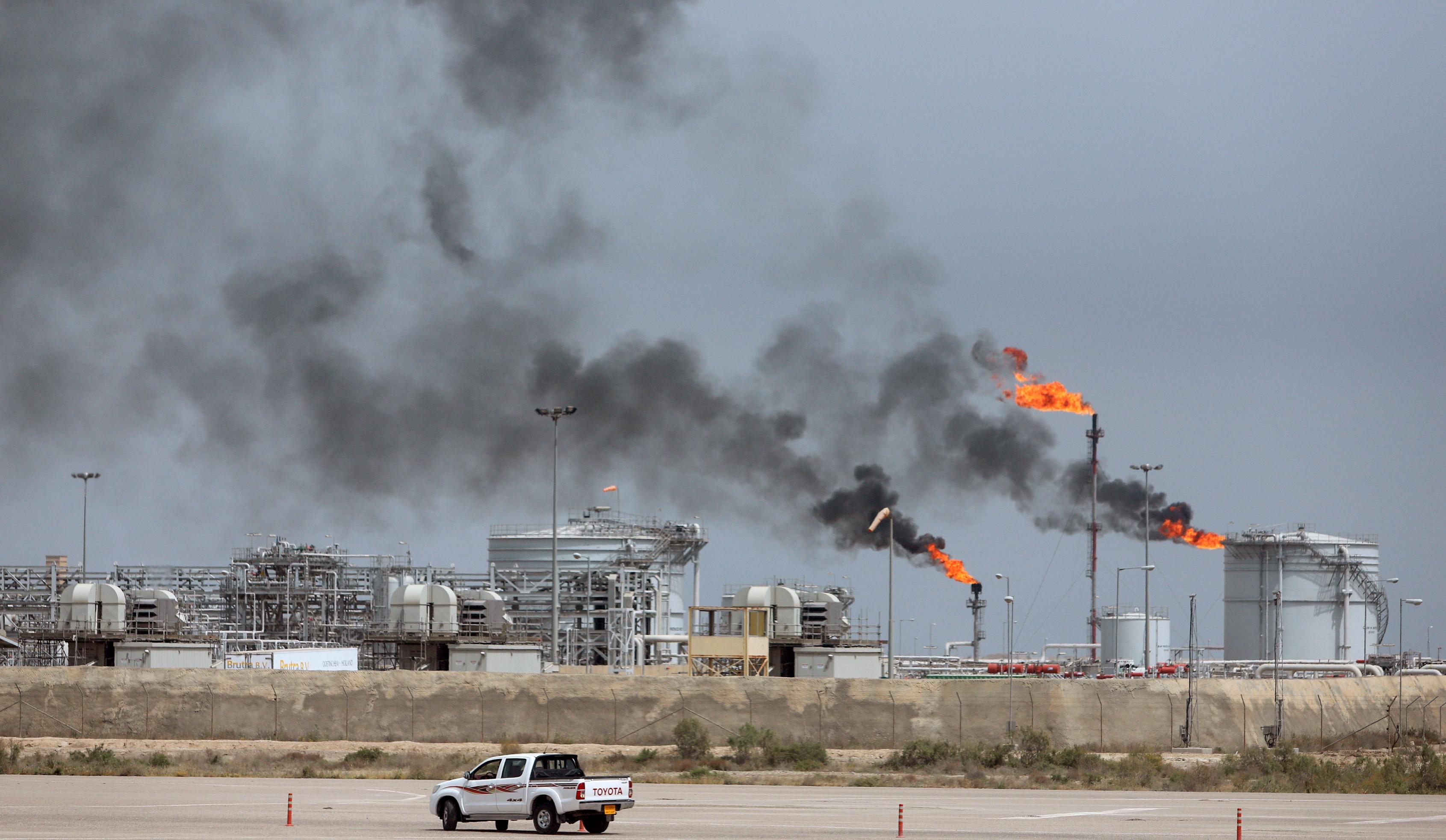 FIILE PHOTO: A view shows the Iraq's Majnoon oilfield near Basra, Iraq, March 31, 2021.  REUTERS/Essam Al-Sudani