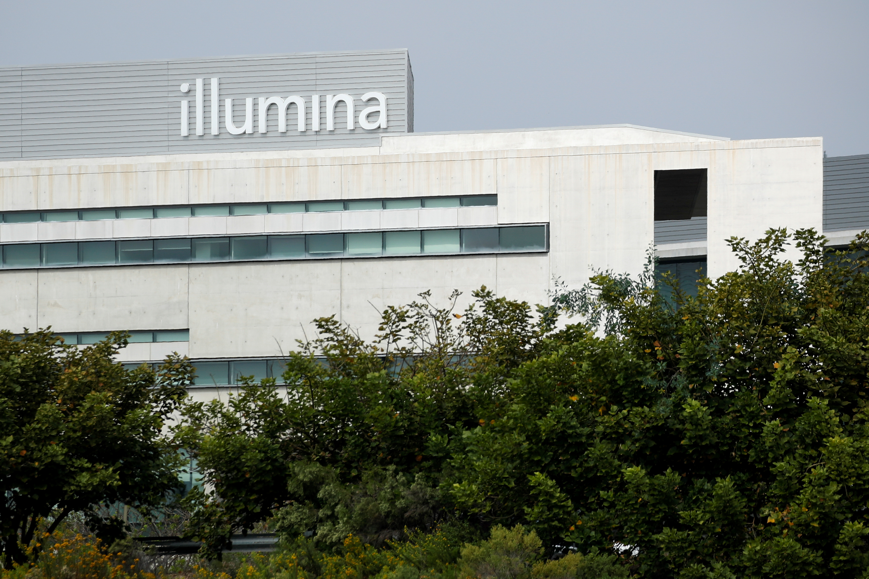 One of the office complexes of Illumina, Inc in San Diego, California, October 9, 2020.  REUTERS/Mike Blake