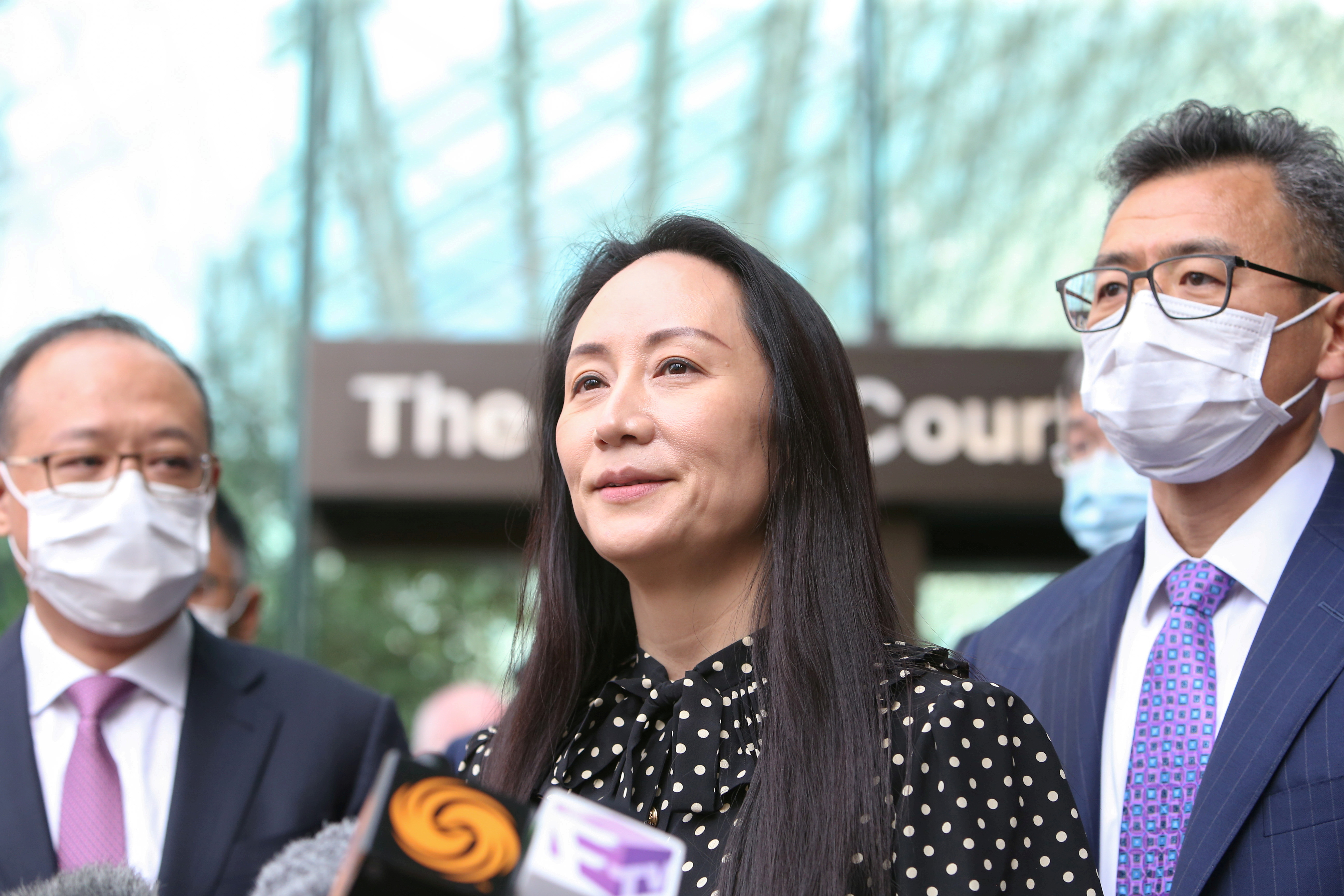 Huawei Technologies Chief Financial Officer Meng Wanzhou speaks to media outside the B.C. Supreme Court following a hearing about her release in Vancouver, British Columbia, Canada September 24, 2021.  REUTERS/Jesse Winter