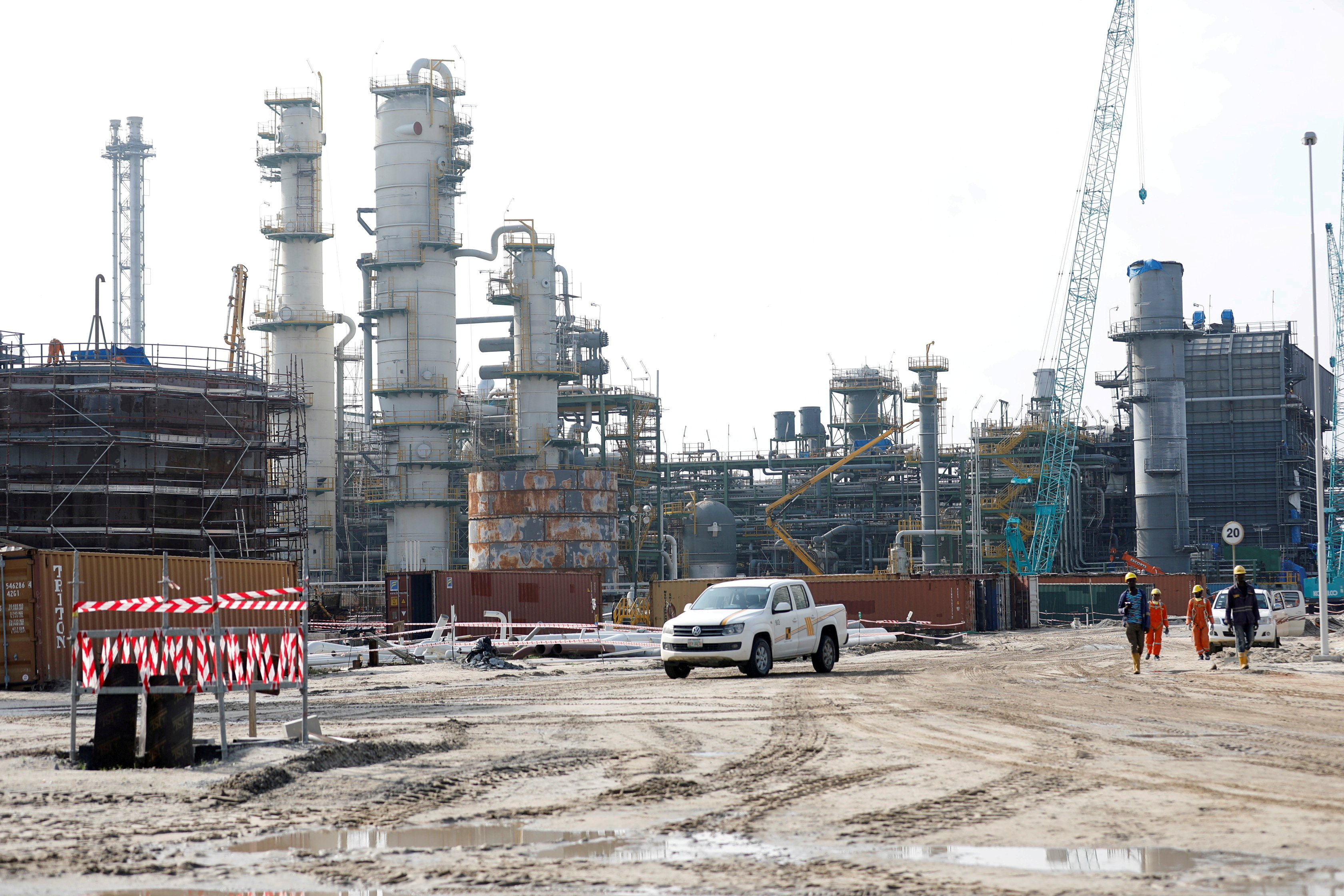 View of the Dangote Oil Refinery under construction in Ibeju Lekki district, on the outskirts of  Lagos, Nigeria July 5, 2018. REUTERS/Akintunde Akinleye/File Photo