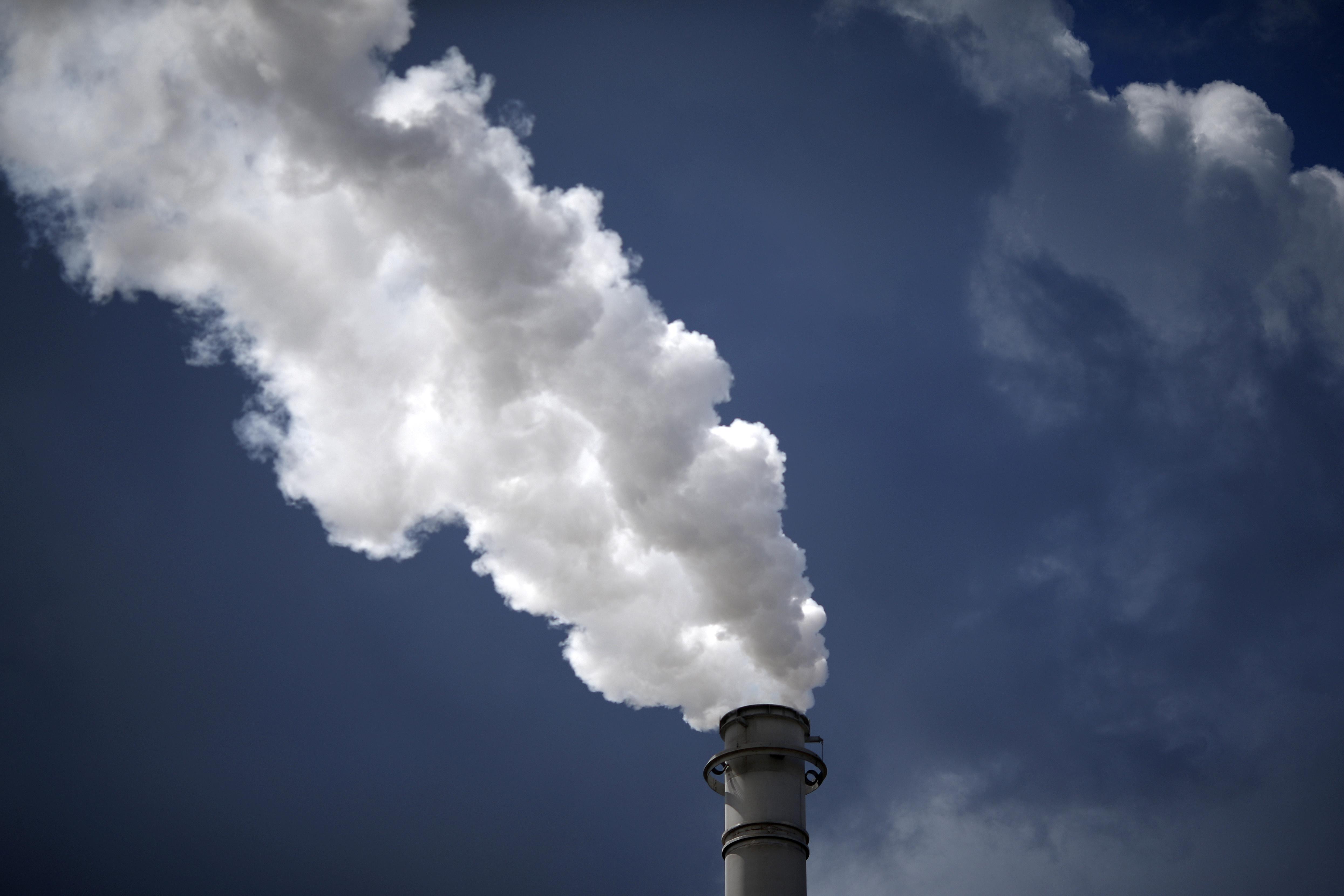 Steam is released from PDVSA's U.S. unit Citgo Petroleum refinery in Sulphur, Louisiana, U.S., June 12, 2018. REUTERS/Jonathan Bachman
