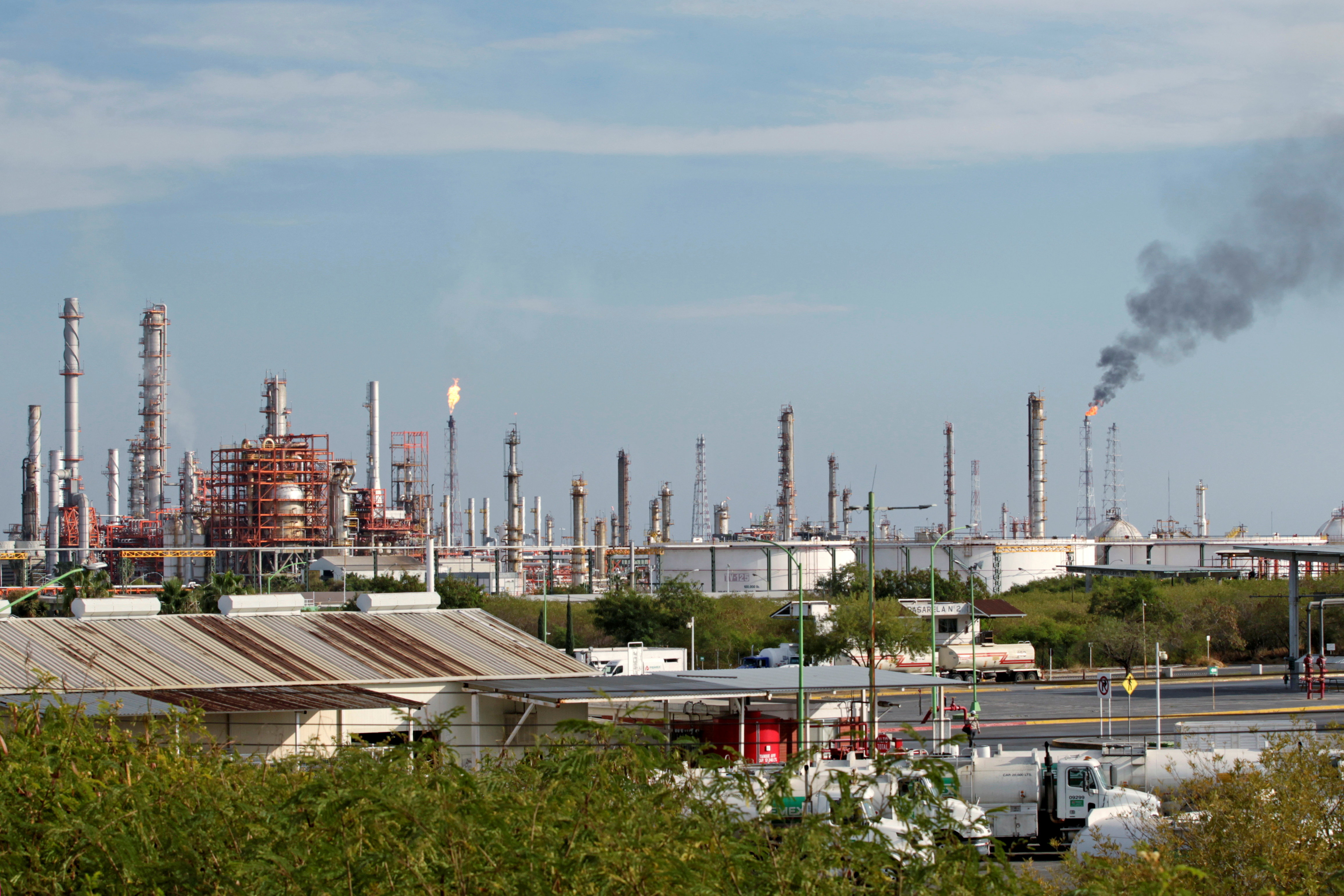 A general view shows Mexican state oil firm Pemex's Cadereyta refinery in Cadereyta, on the outskirts of Monterrey, Mexico, December 10, 2020. REUTERS/Daniel Becerril/File Photo