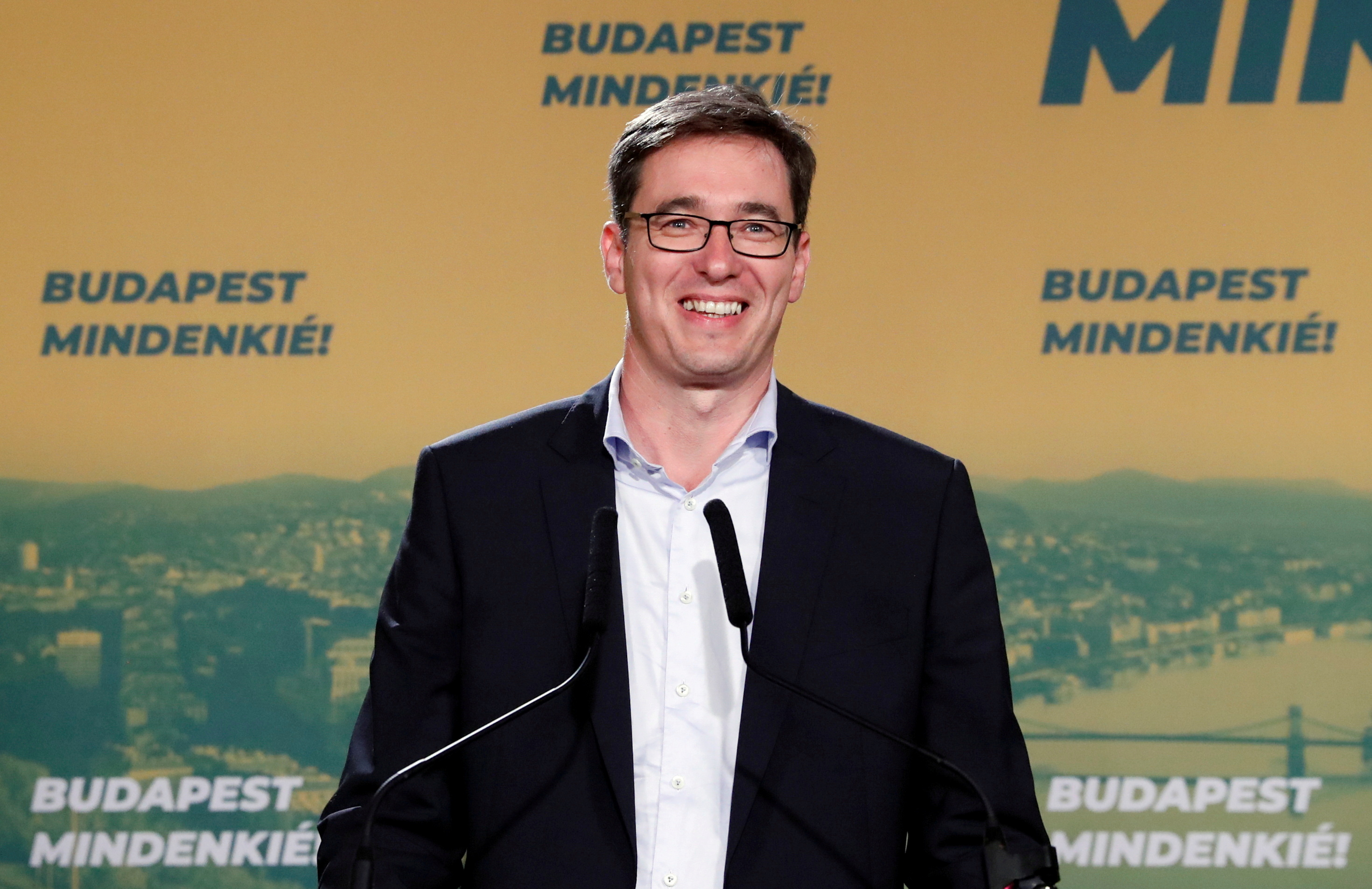 Gergely Karacsony, opposition parties' candidate, delivers a statement after being elected Mayor of Budapest, in Budapest, Hungary, October 13, 2019. REUTERS/Bernadett Szabo/File Photo
