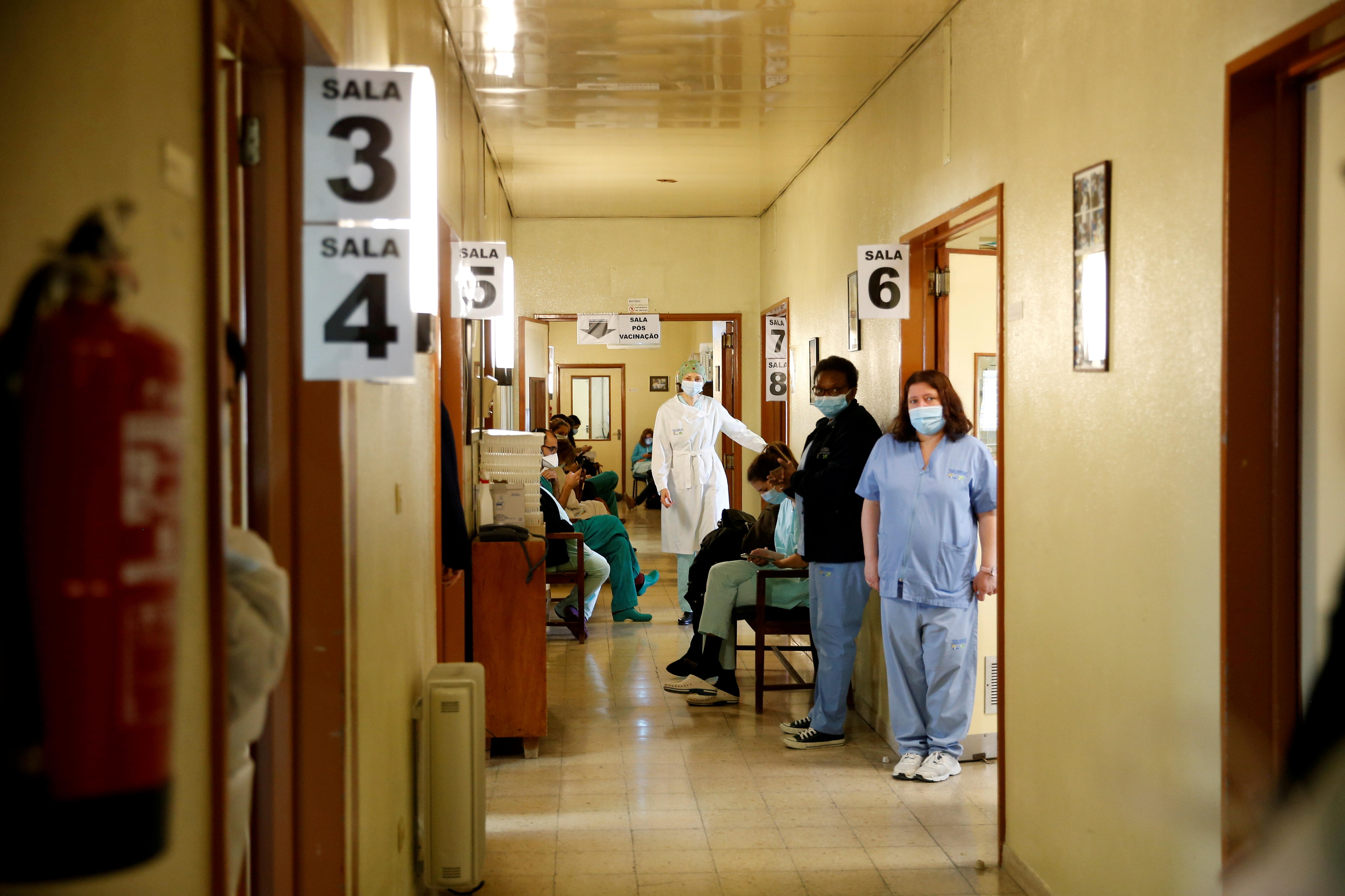 A general view of the cabinets' hallway where medical workers receive the Pfizer-BioNTech coronavirus disease (COVID-19) vaccine at Santa Maria hospital in Lisbon, Portugal, December 28, 2020. REUTERS/Pedro Nunes/File Photo