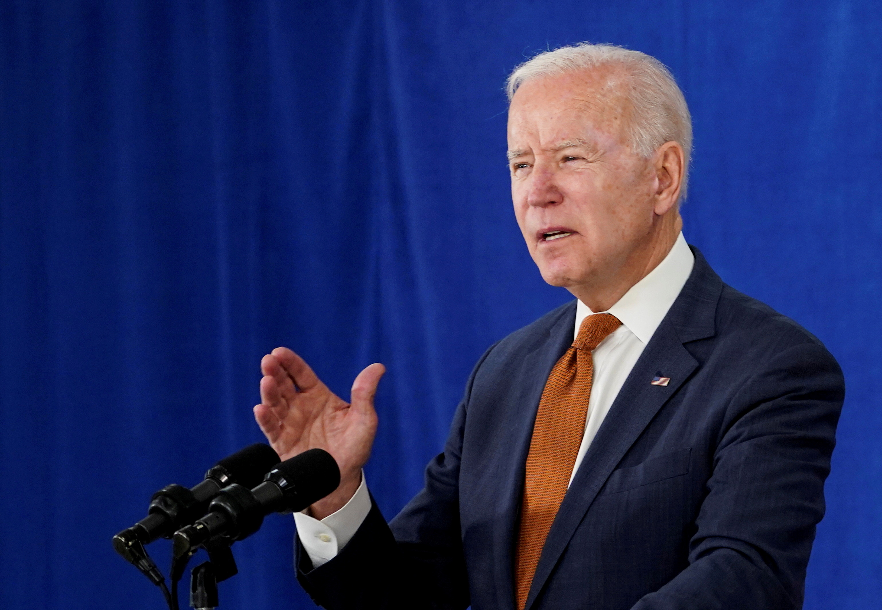 U.S. President Joe Biden delivers remarks on the May jobs report after U.S. employers boosted hiring amid the easing coronavirus disease (COVID-19) pandemic, at the Rehoboth Beach Convention Center in Rehoboth Beach, Delaware, U.S., June 4, 2021. REUTERS/Kevin Lamarque/File Photo