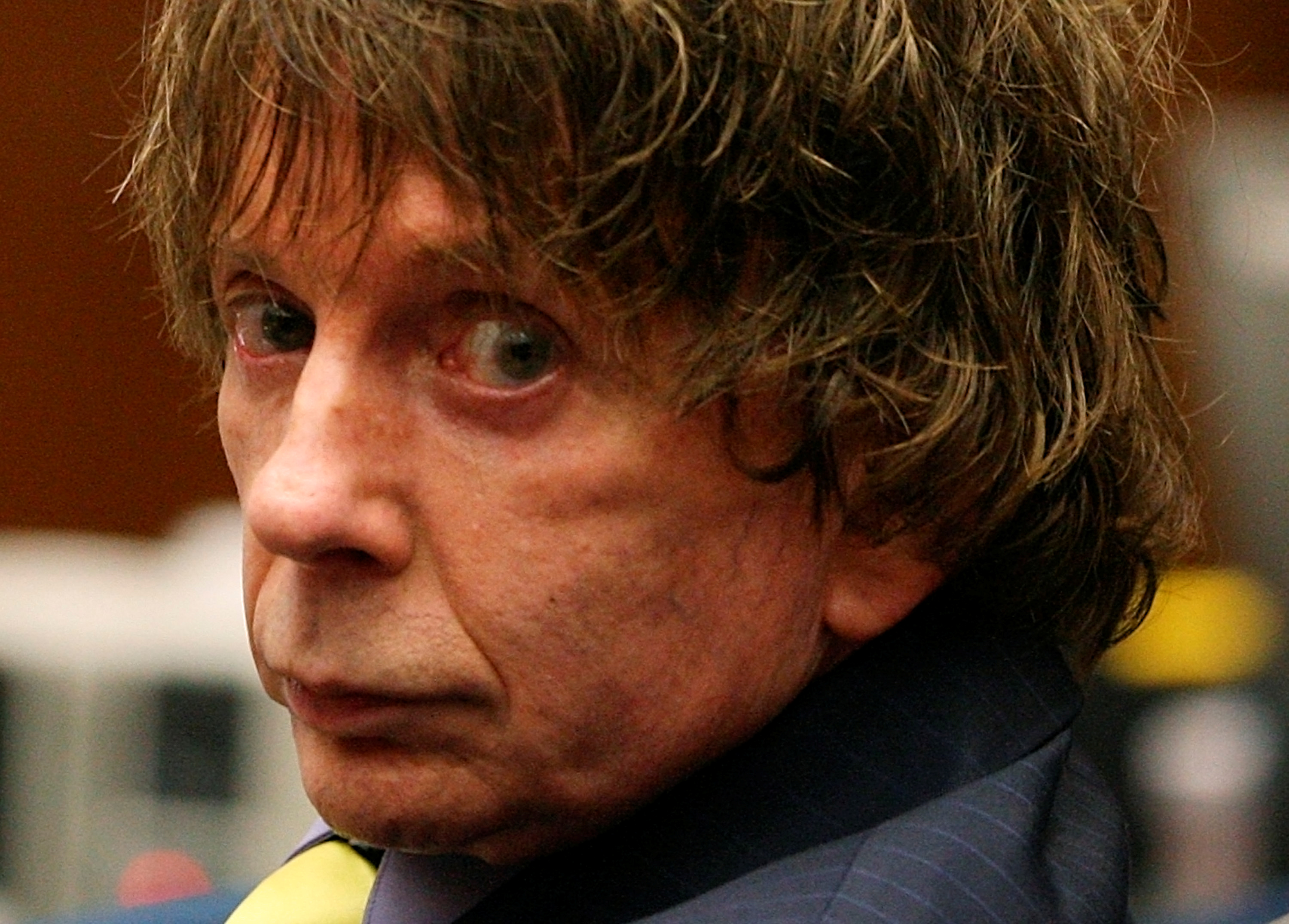 Music producer Phil Spector appears in court during his murder trial at Los Angeles Superior Court in Los Angeles August 16, 2007. Spector is accused of fatally shooting actress Lana Clarkson in his home in February 2003. REUTERS/Robyn Beck/Pool/File Photo