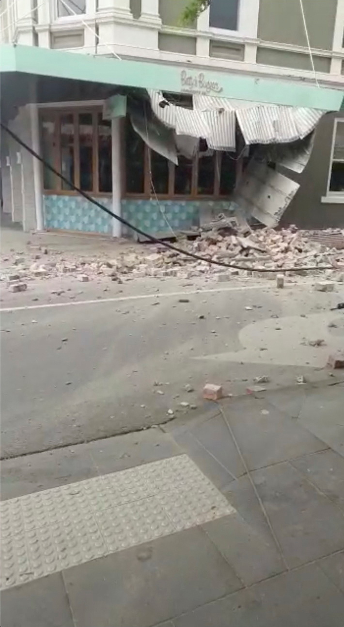 Debris and a damaged building are seen in Prahran, after a magnitude 6.0 earthquake struck near Melbourne, Victoria, Australia, September 22, 2021, in this still image from video obtained via social media. Tom Robertson via REUTERS  ATTENTION EDITORS - THIS IMAGE HAS BEEN SUPPLIED BY A THIRD PARTY. MANDATORY CREDIT. NO RESALES. NO ARCHIVES.