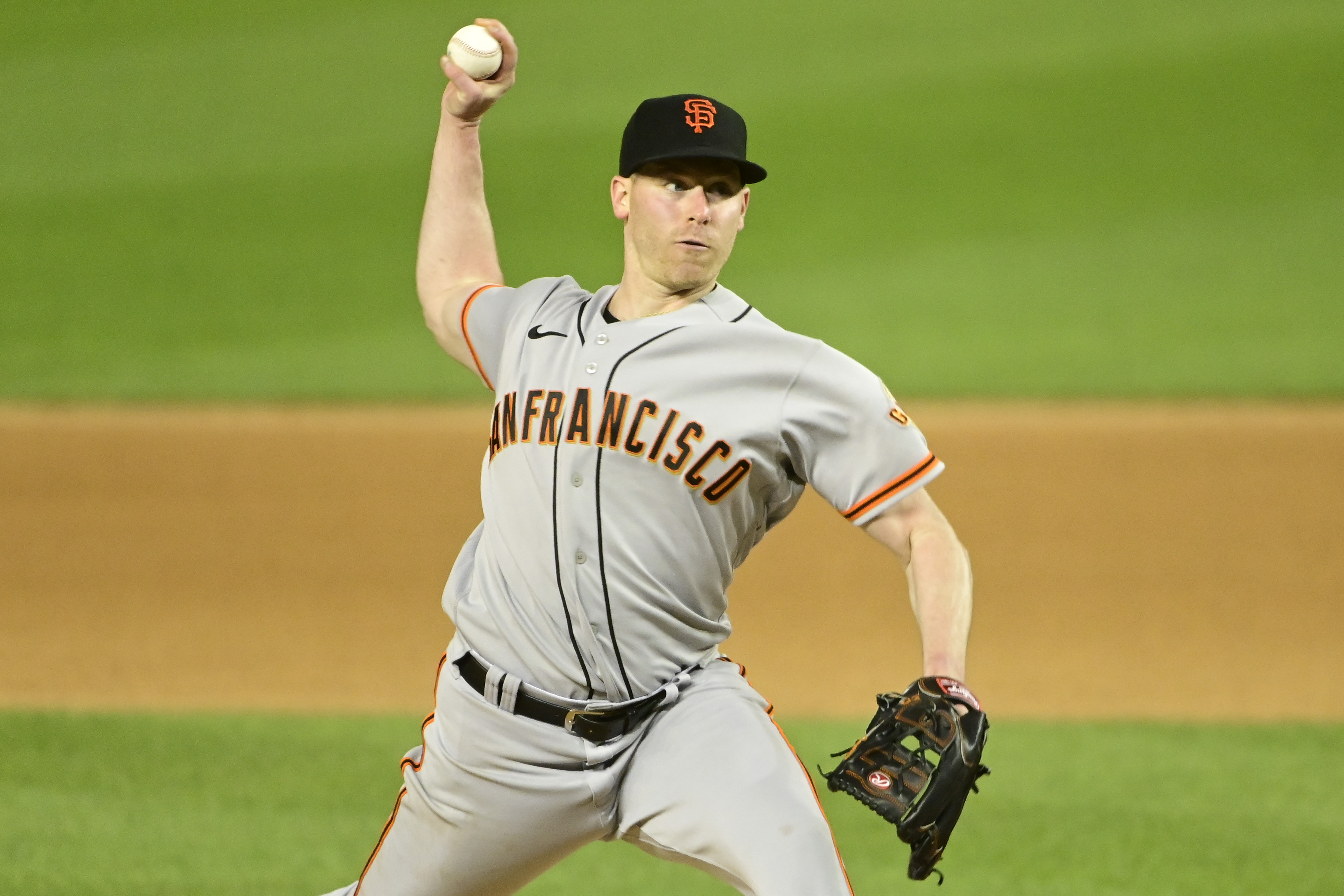 Jun 11, 2021; Washington, District of Columbia, USA;  San Francisco Giants starting pitcher Anthony DeSclafani (26) delivers ninth inning pitch against the Washington Nationals at Nationals Park. Mandatory Credit: Tommy Gilligan-USA TODAY Sports