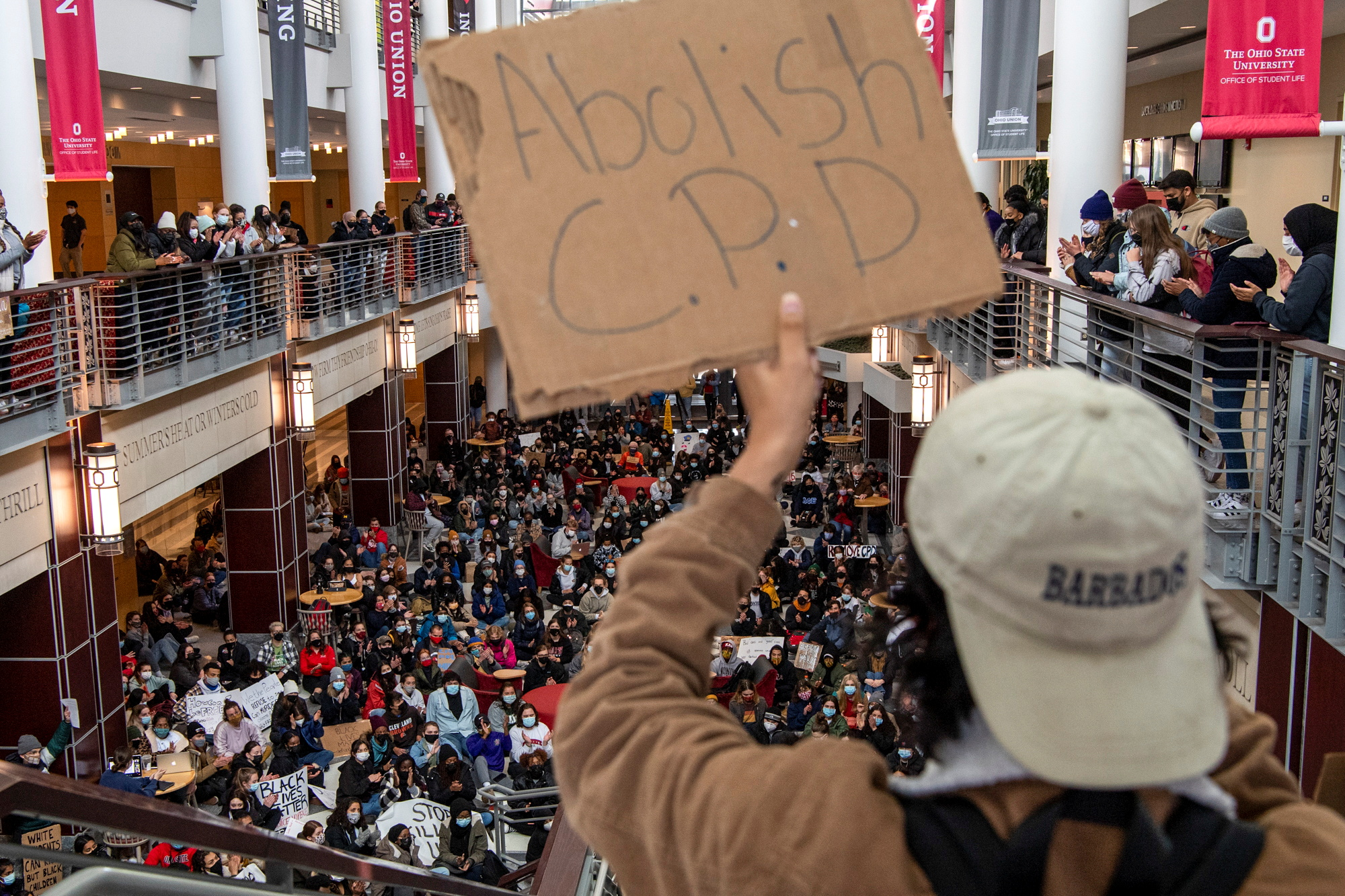 Ohio State University students hold a sit-in at the Ohio Union to demand that OSU sever ties with Columbus Police Department in the wake of the killing of 16-year-old Ma'Khia Bryant in Columbus, Ohio, U.S., April 21, 2021. REUTERS/Gaelen Morse