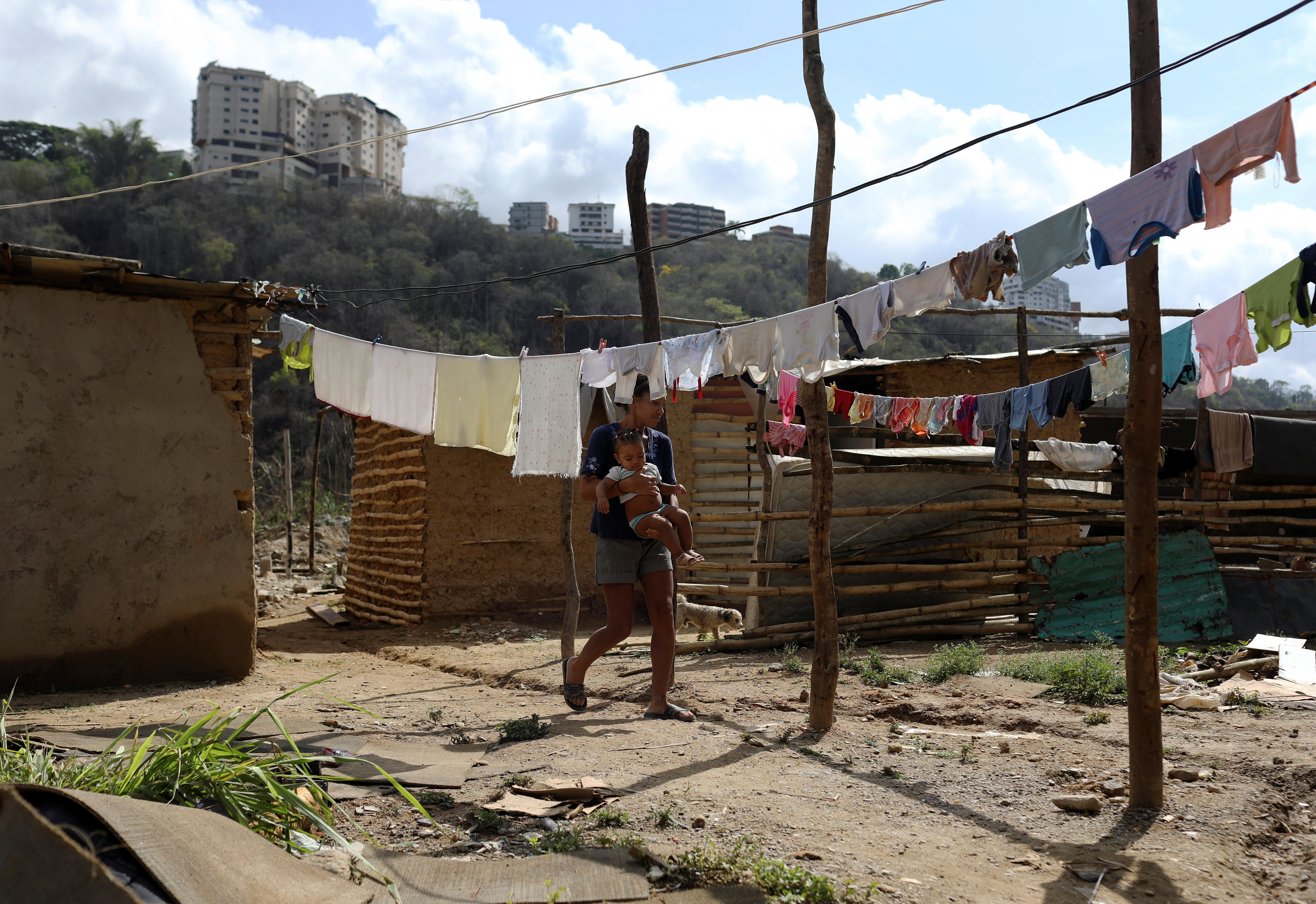 Extreme poverty in Venezuela rises to 76.6%
