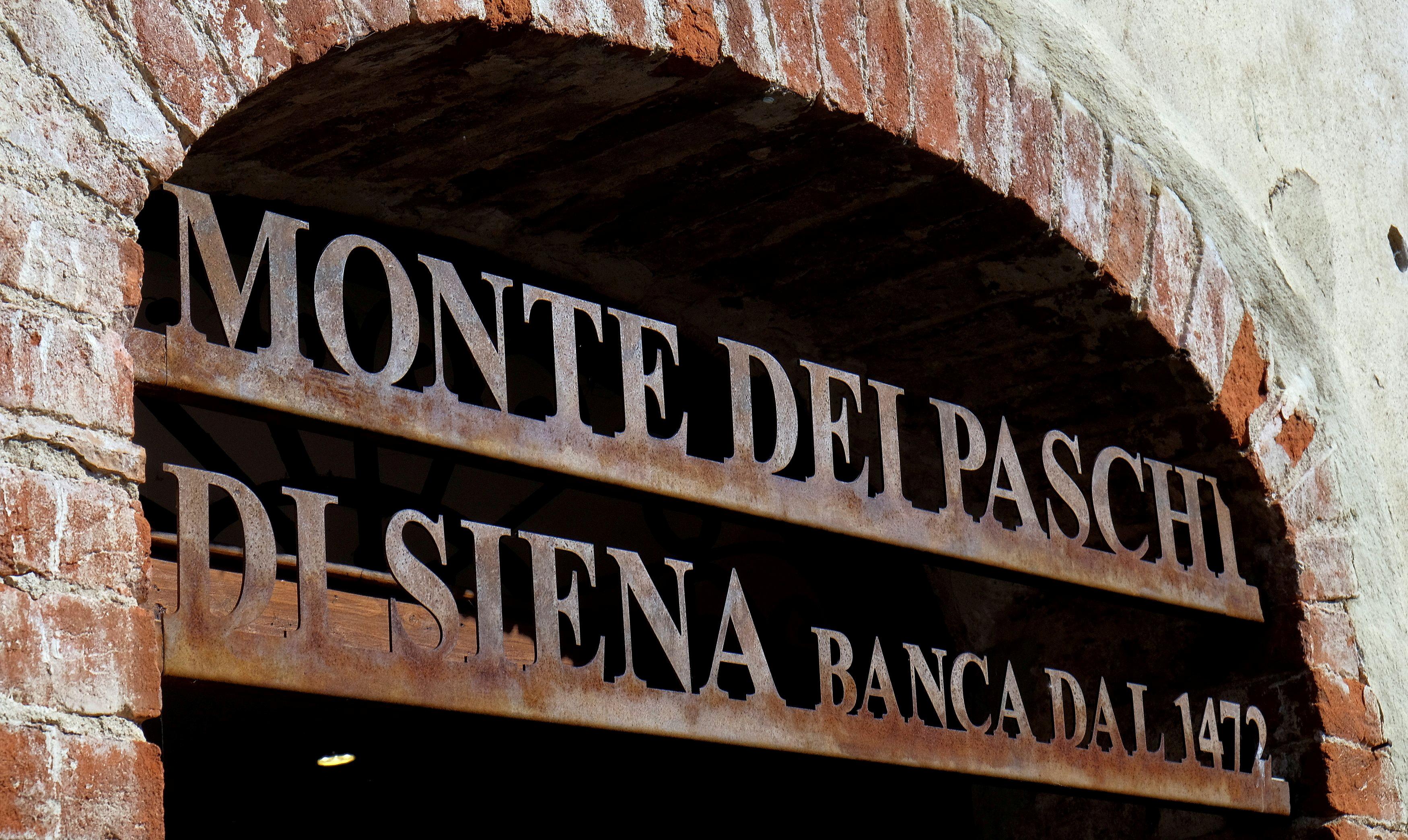 The entrance to Italian bank Monte Dei Paschi di Siena is seen in San Gusme near Siena, Italy, September 29, 2016.  REUTERS/Stefano Rellandini/File Photo