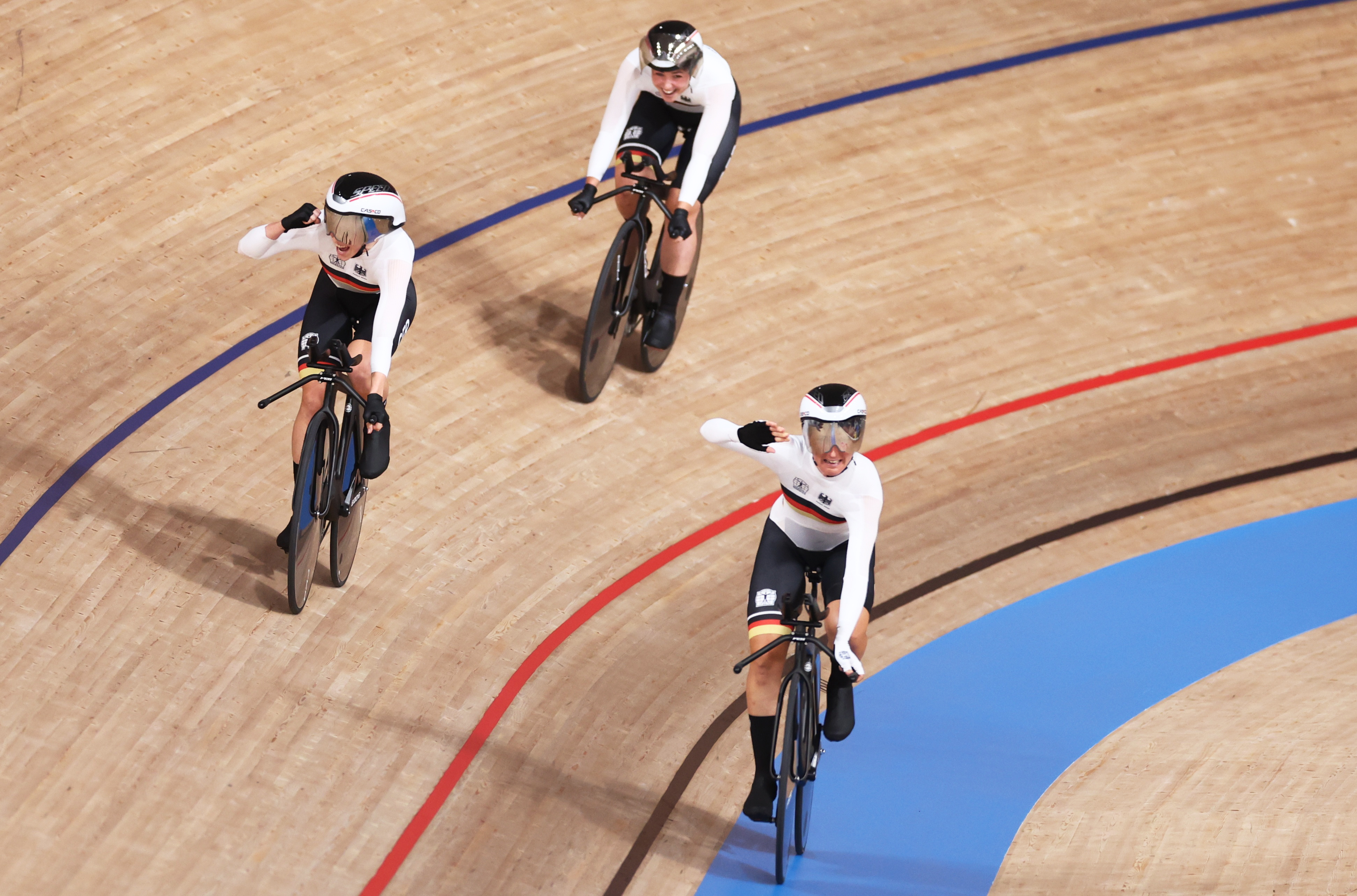 Tokyo 2020 Olympics - Cycling - Track - Women's Team Pursuit - Gold Final - Izu Velodrome, Shizuoka, Japan - August 3, 2021.  Team Germany celebrate winning gold. REUTERS/Christian Hartmann