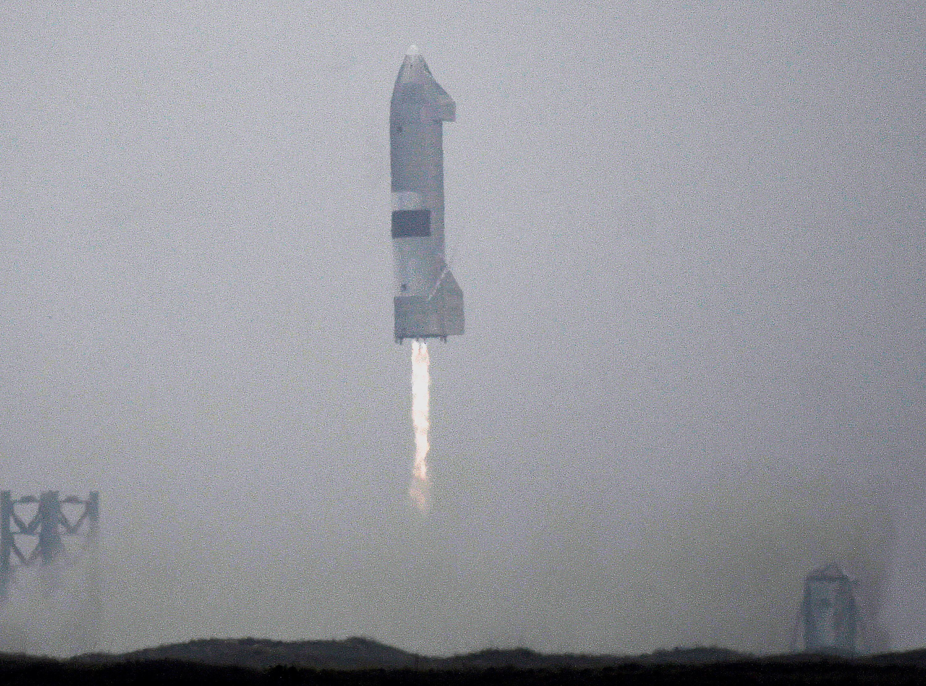 SpaceX SN15 starship prototype comes in for a successful landing for the first time from the company's starship facility in Boca Chica, Texas, U.S. May 5, 2021. REUTERS/Gene Blevins