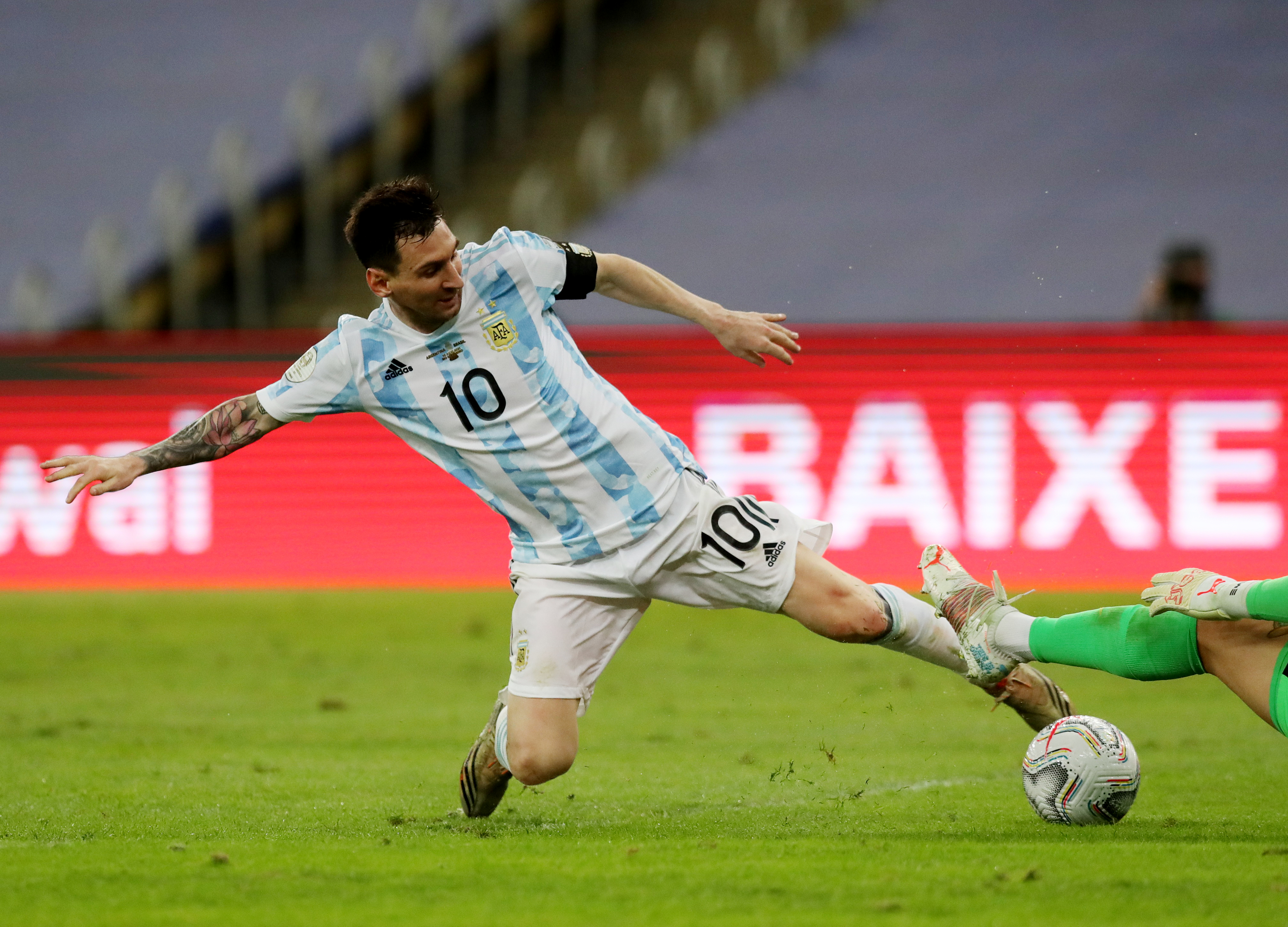 Soccer Football - Copa America  2021 - Final - Brazil v Argentina - Estadio Maracana, Rio de Janeiro, Brazil - July 10, 2021 Argentina's Lionel Messi in action REUTERS/Amanda Perobelli