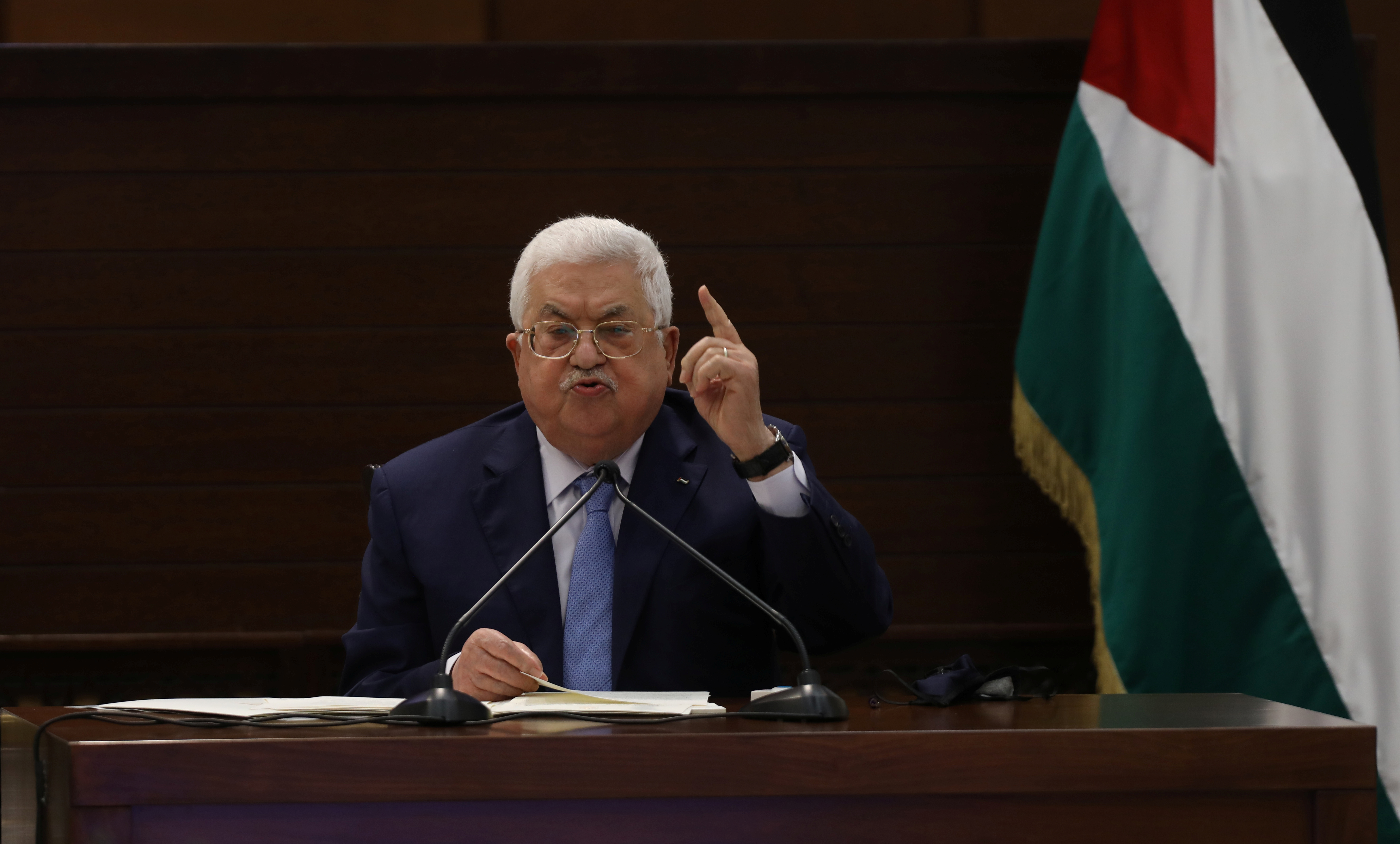 Palestinian President Mahmoud Abbas attends a virtual meeting with Palestinian factions over Israel and the United Arab Emirates' deal to normalise ties, in Ramallah in the Israeli-occupied West Bank September 3, 2020. Alaa Badarneh/Pool via REUTERS