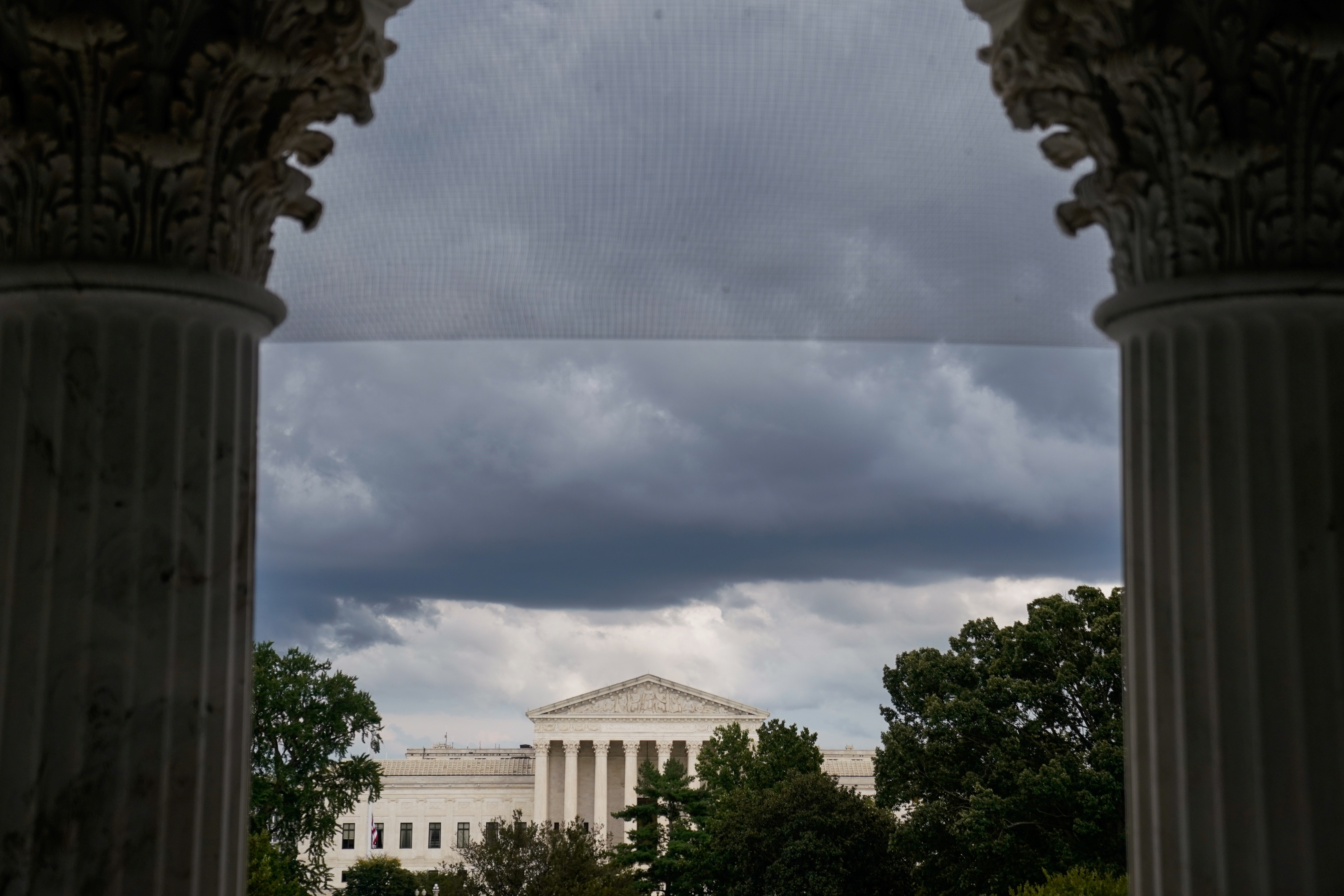 The U.S. Supreme Court is seen through the U.S. Capitol columns in Washington, U.S. September 29, 2020. REUTERS/Erin Scott - RC2M8J9LQRI7
