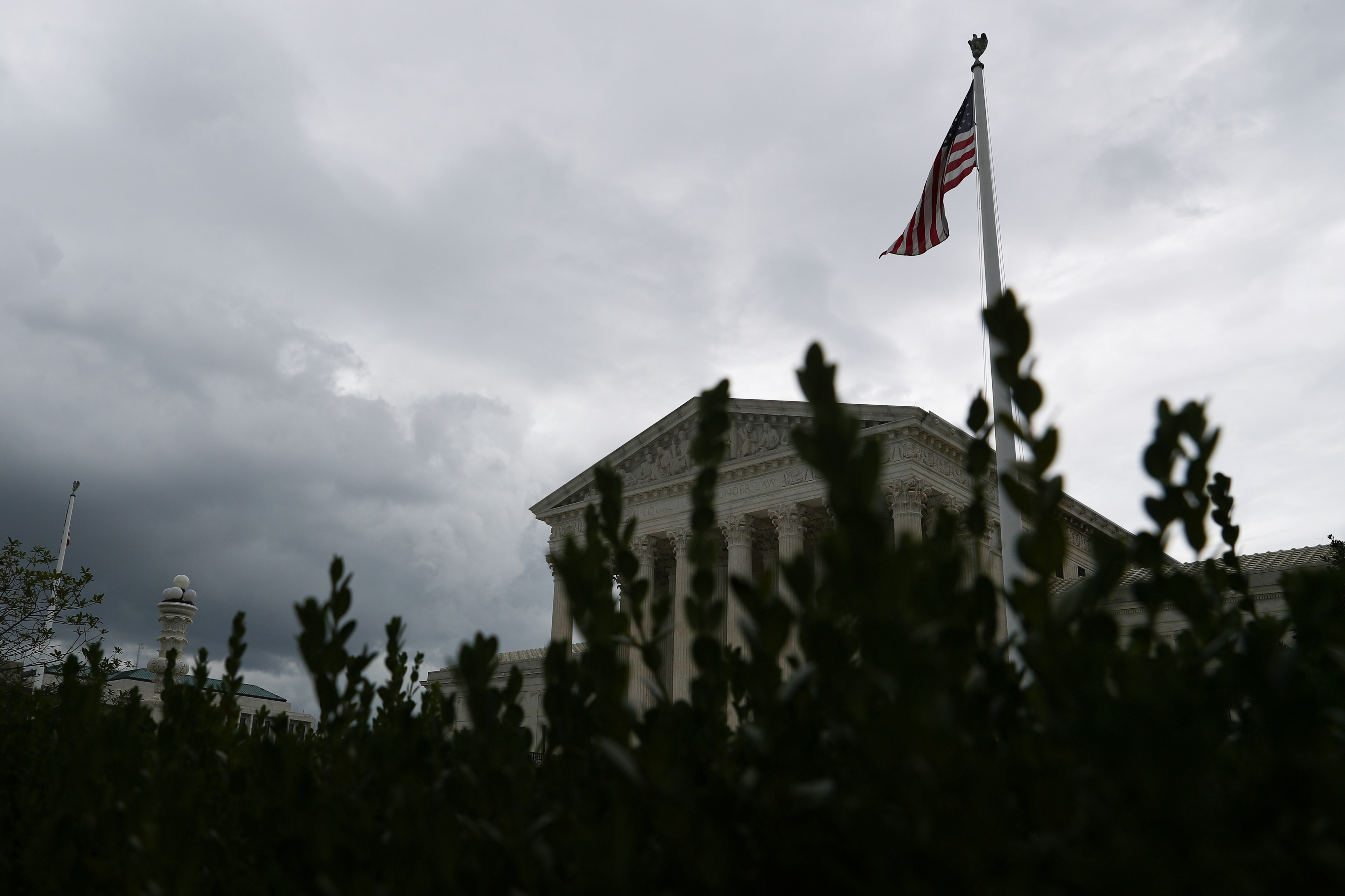 Storm clouds roll in over the U.S. Supreme Court, following an abortion ruling by the Texas legislature, in Washington, U.S., September 1, 2021.  REUTERS/Tom Brenner
