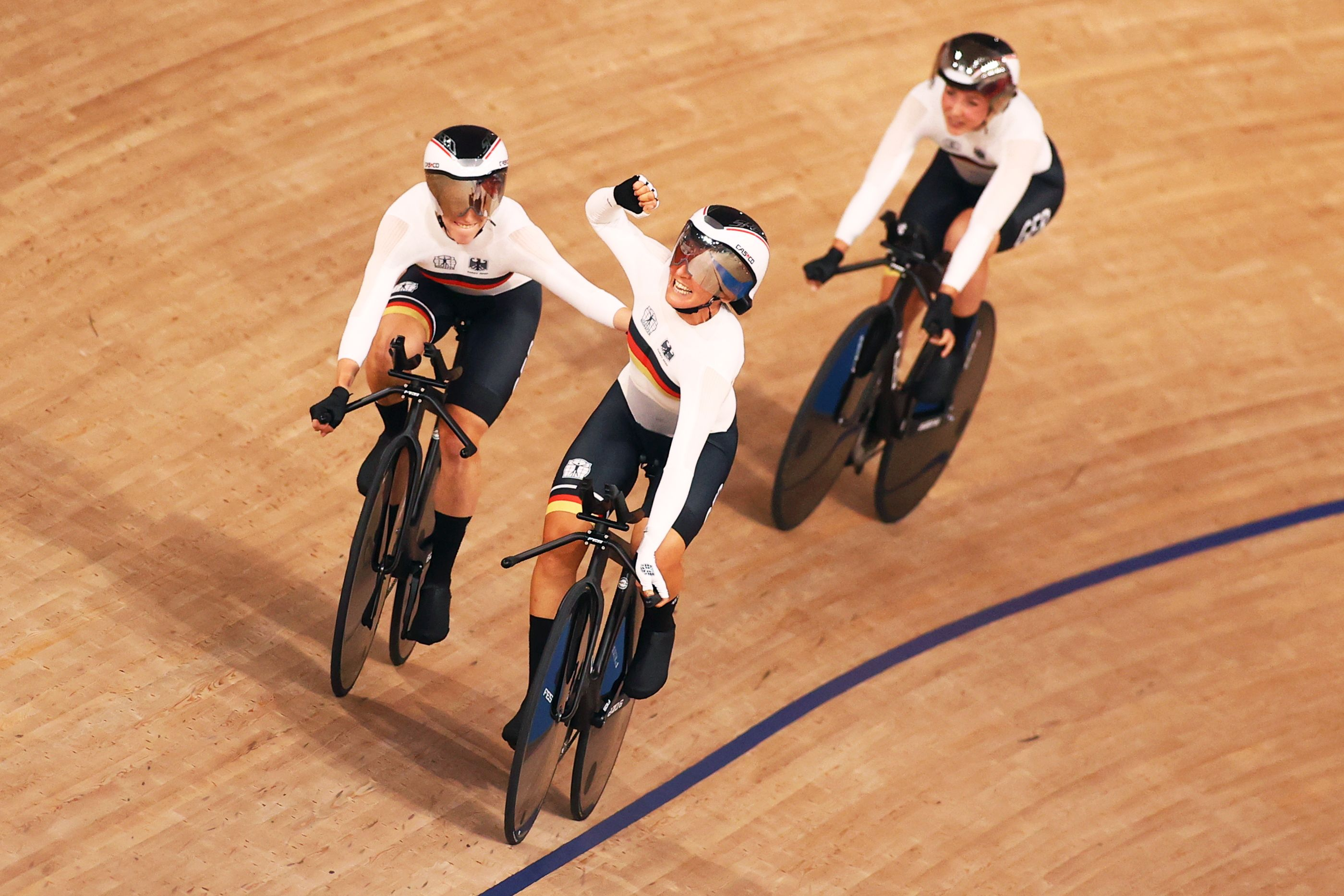 Tokyo 2020 Olympics - Cycling - Track - Women's Team Pursuit - Gold Final - Izu Velodrome, Shizuoka, Japan - August 3, 2021.  Team Germany celebrate winning gold. REUTERS/Matthew Childs